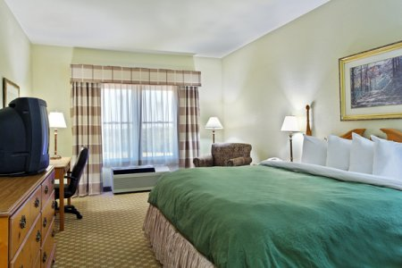 Country Inn & Suites by Radisson, Galena, IL image 2