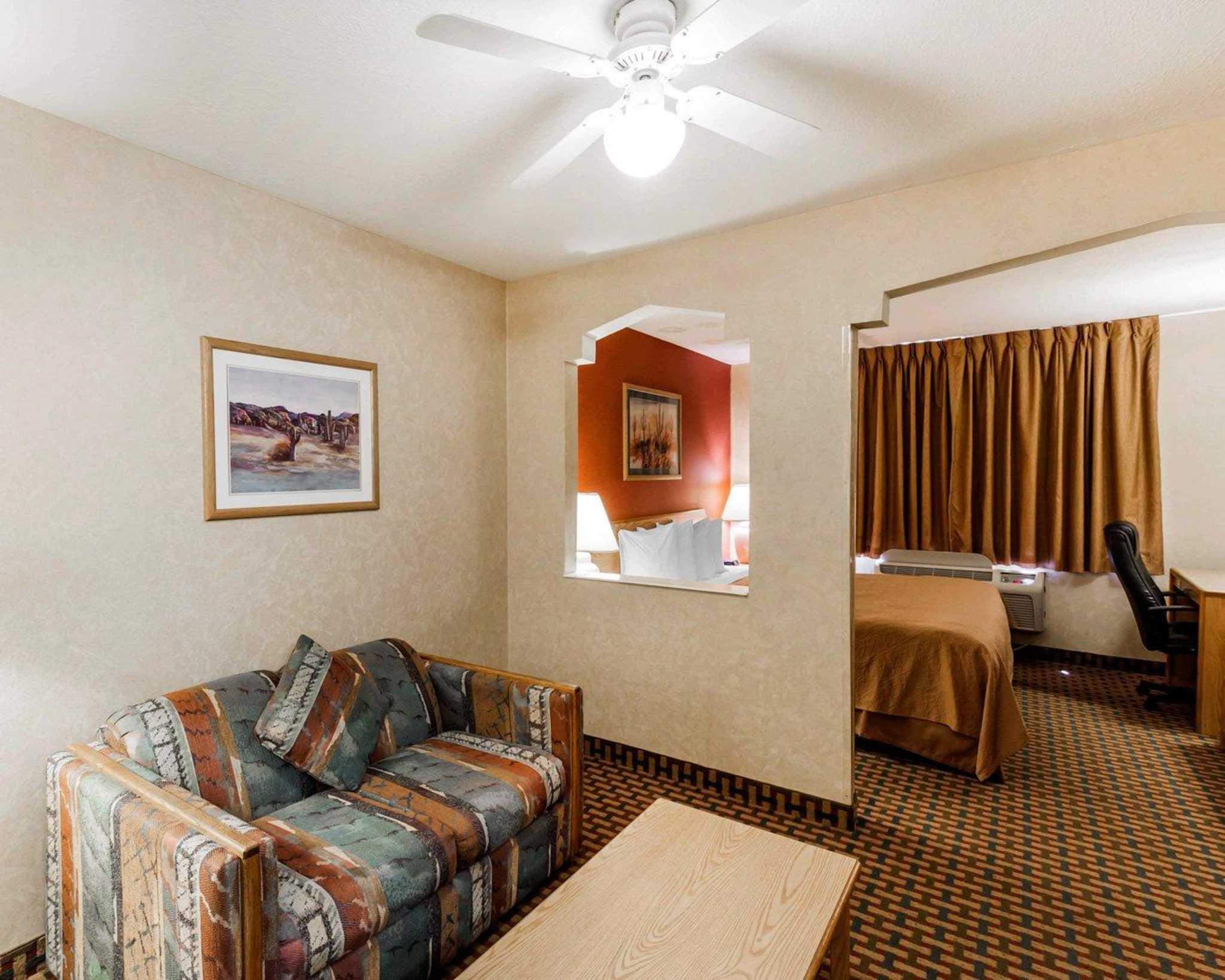 Quality Inn & Suites Surprise Near Sun City West image 38