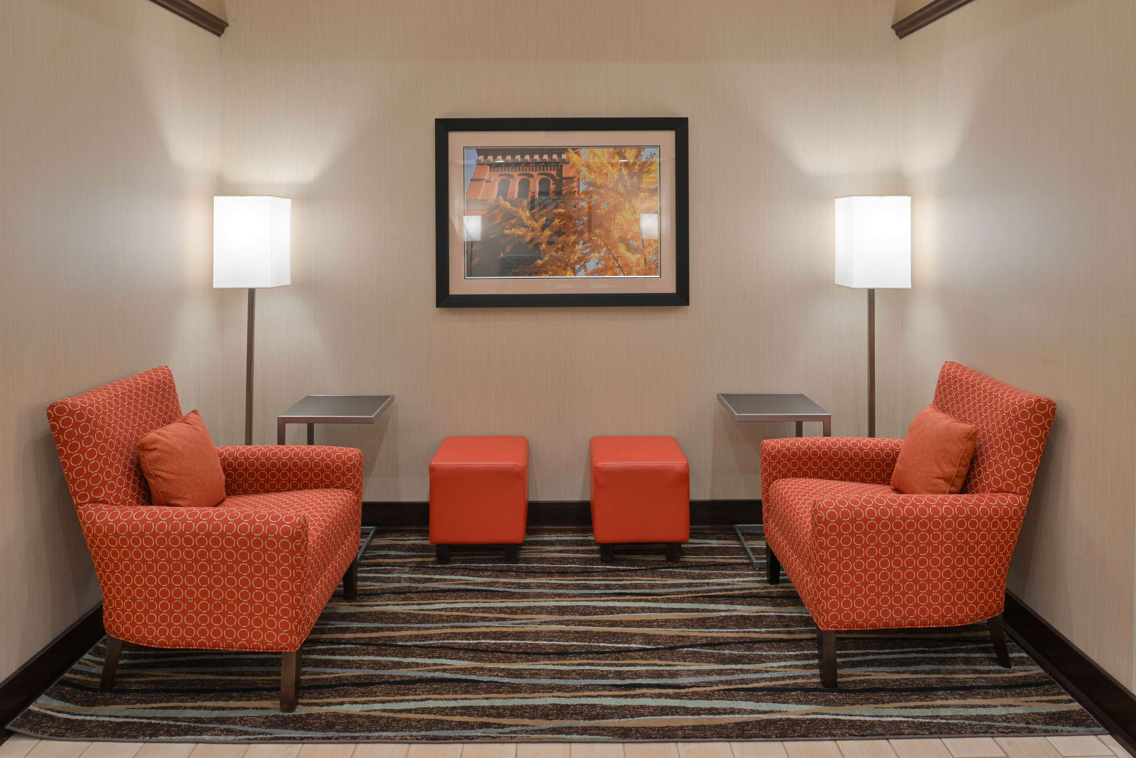 Hampton Inn & Suites Mount Joy/Lancaster West image 2