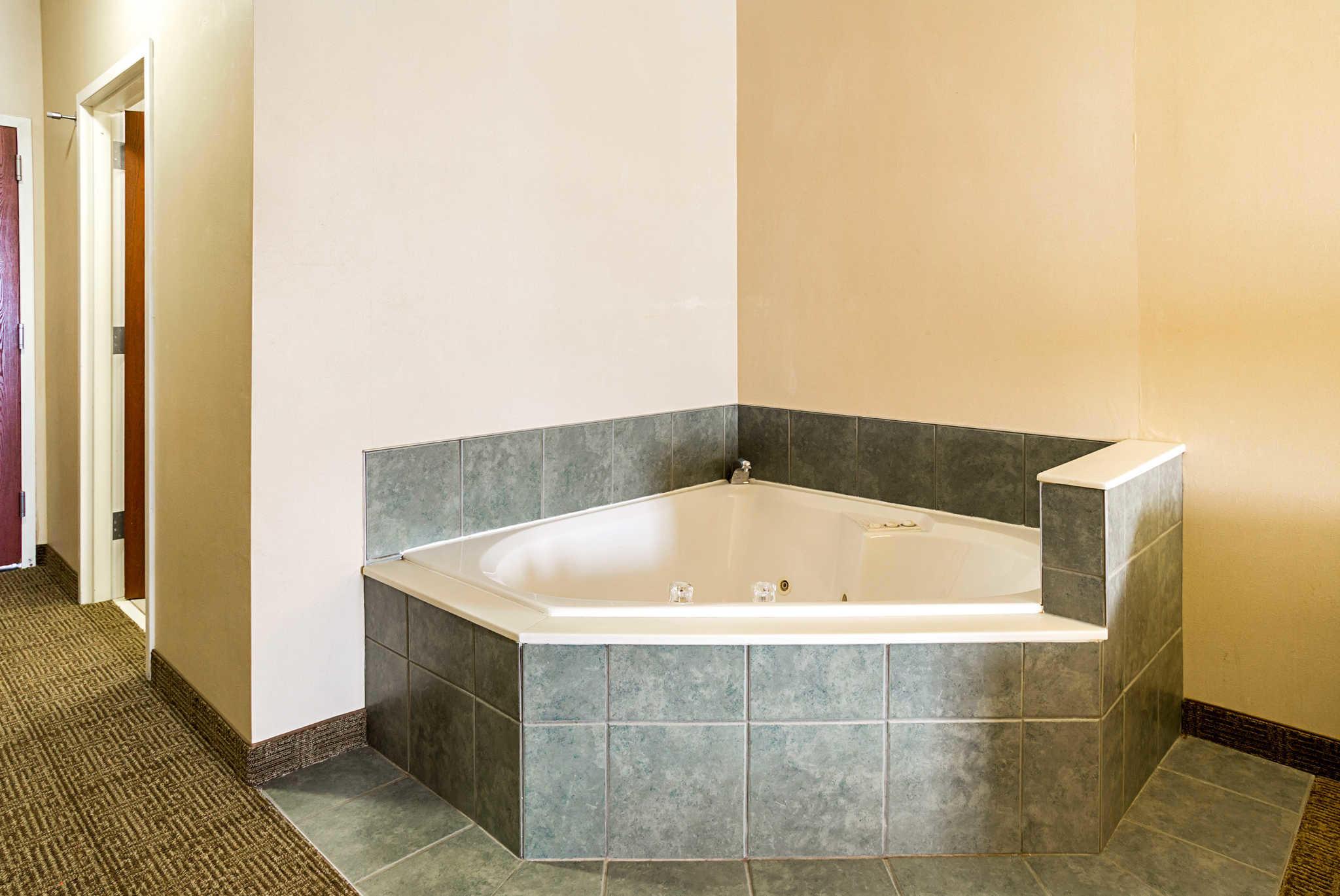 Comfort Suites image 31