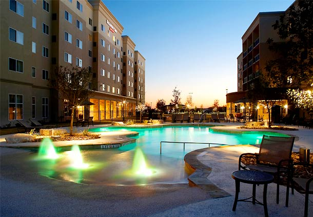 Courtyard By Marriott San Antonio Six Flags 174 At The Rim In