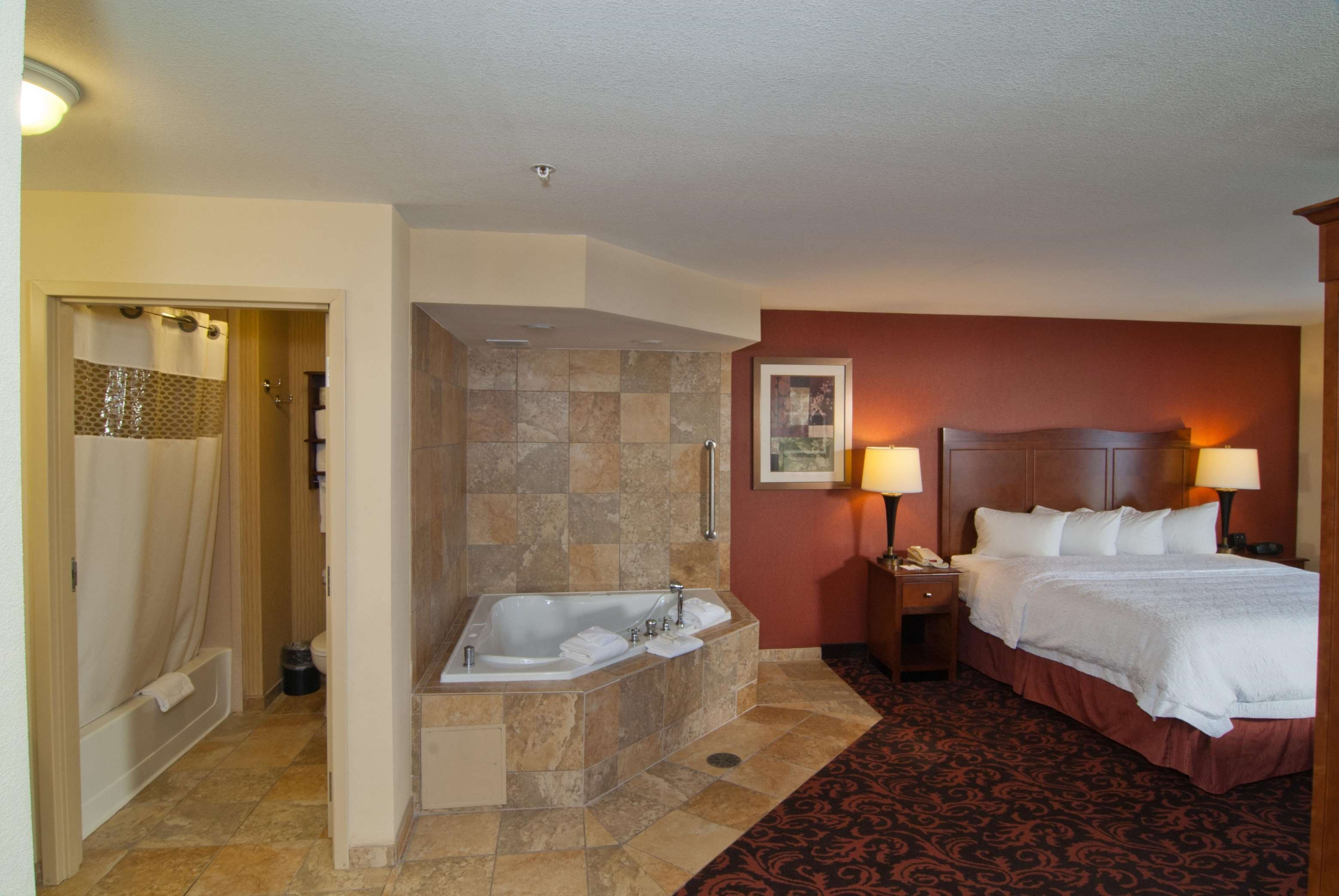 King Whirlpool Room
