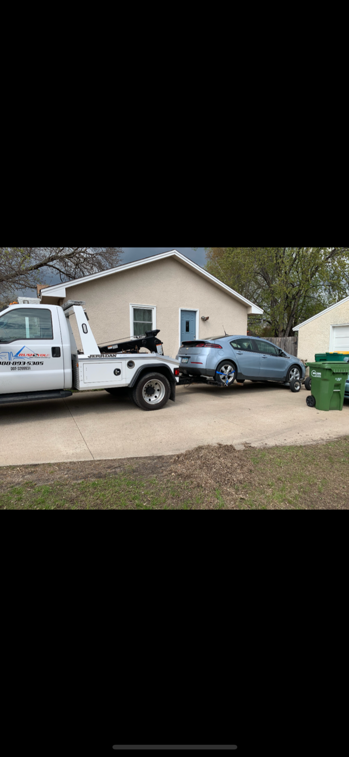 Rush2You Towing & Roadside Assistance image 40