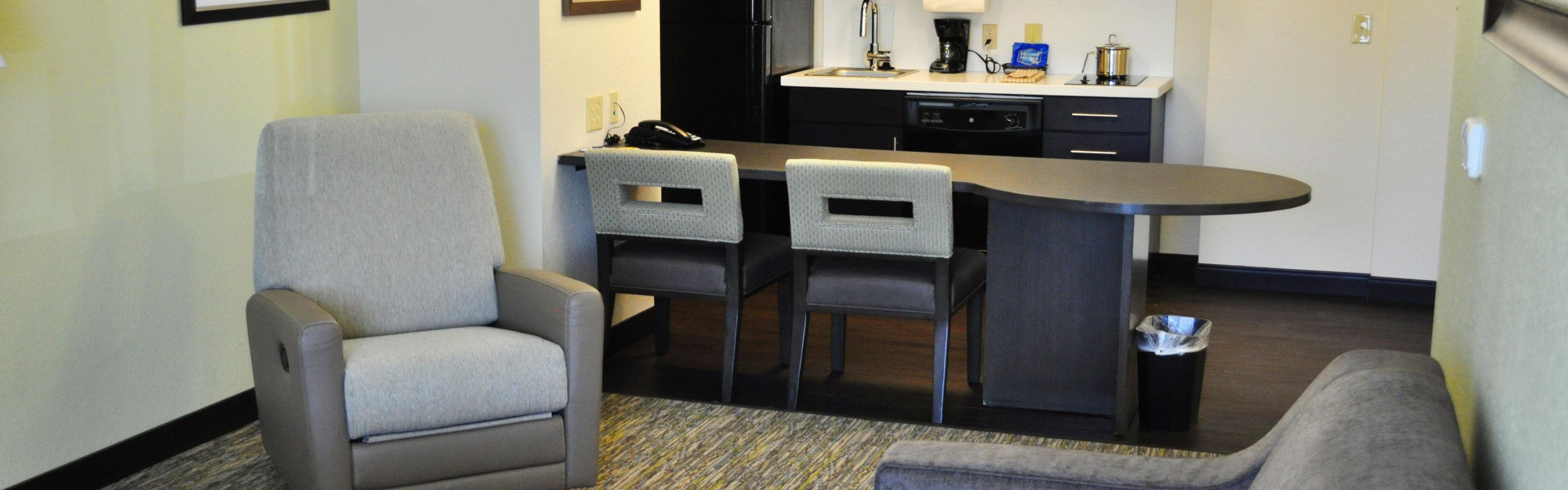 Candlewood Suites Bay City image 1