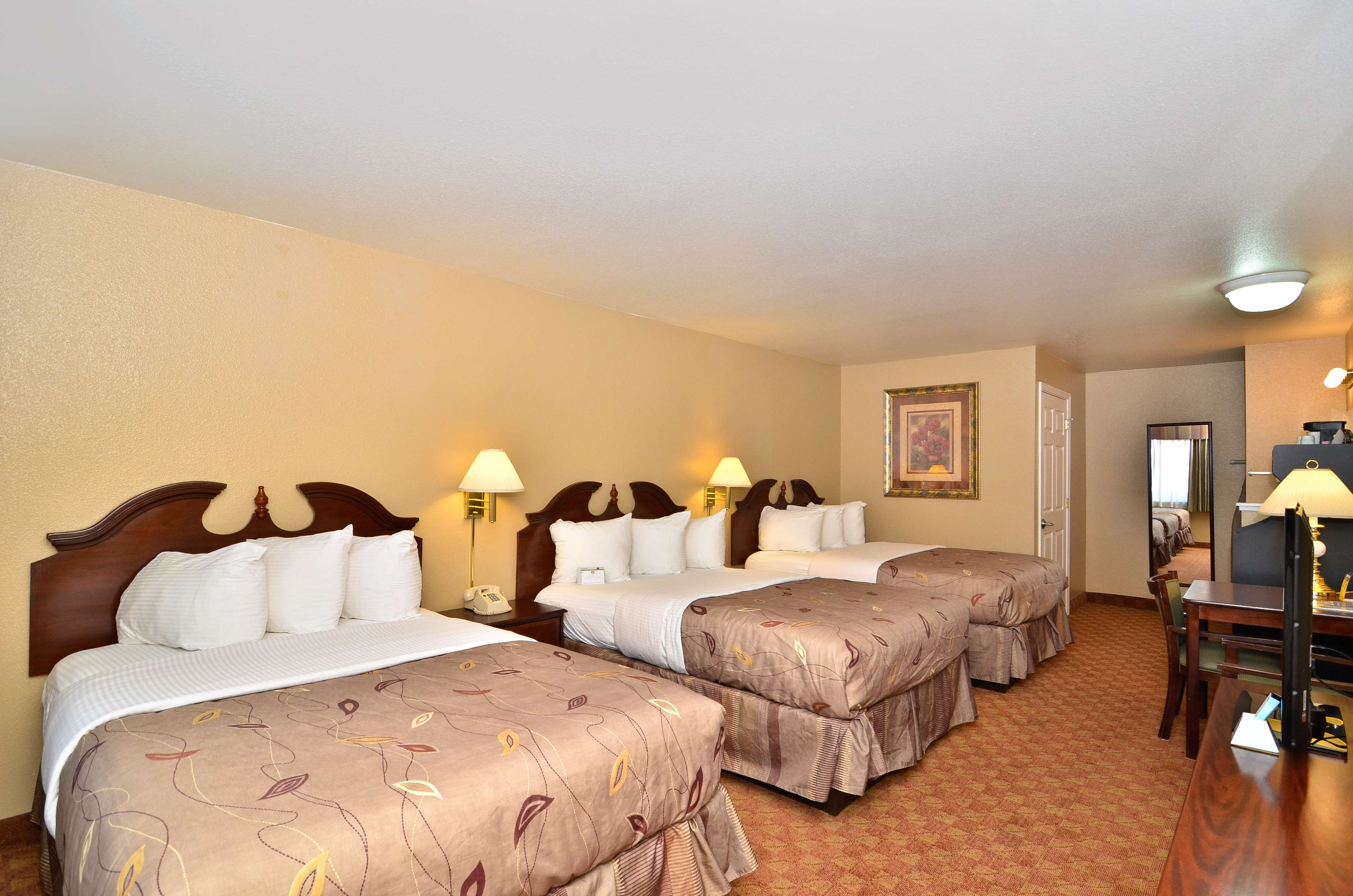 Best Western Fallon Inn & Suites image 20