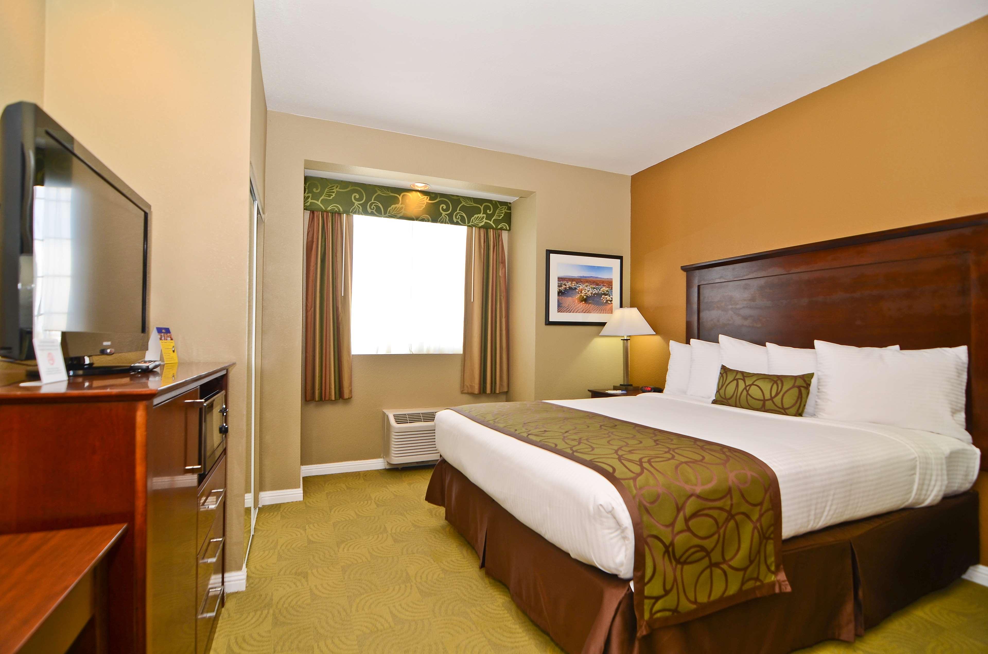 Best Western California City Inn & Suites image 19