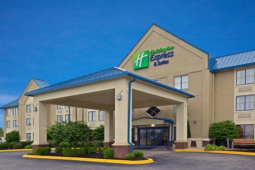Holiday Inn Express & Suites Scottsburg image 2