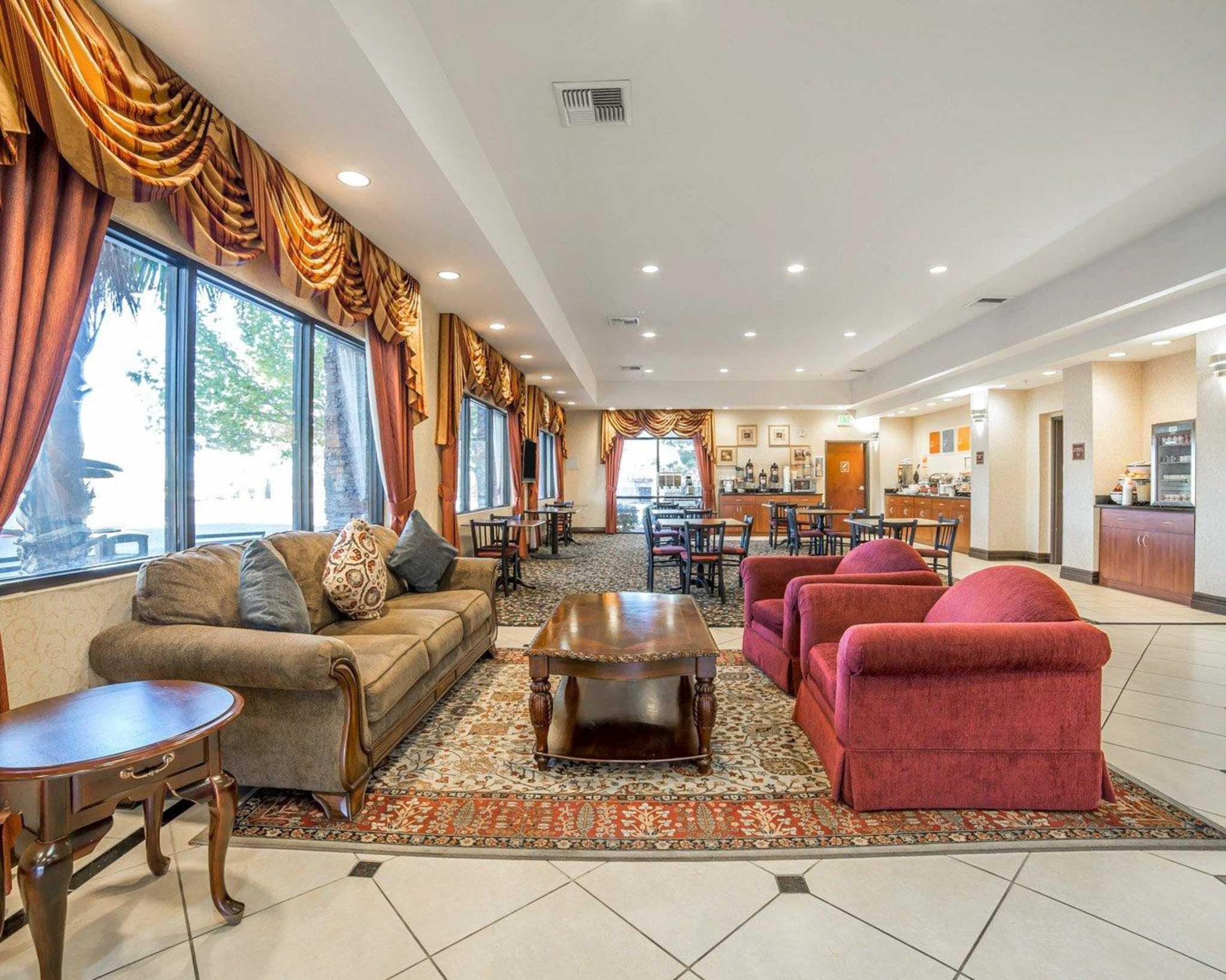 Comfort Inn & Suites Las Vegas - Nellis image 3