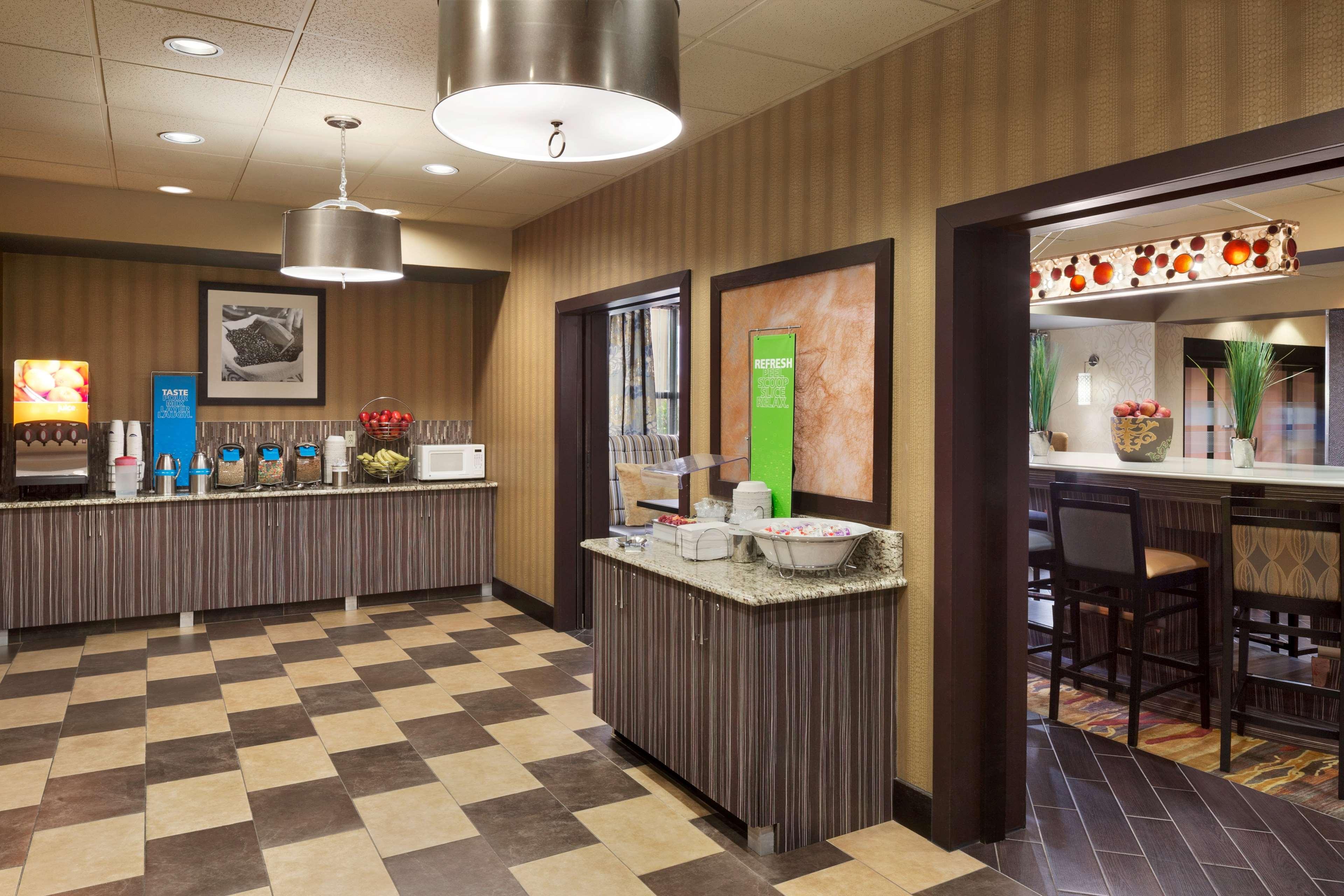 Hampton Inn Pell City image 10