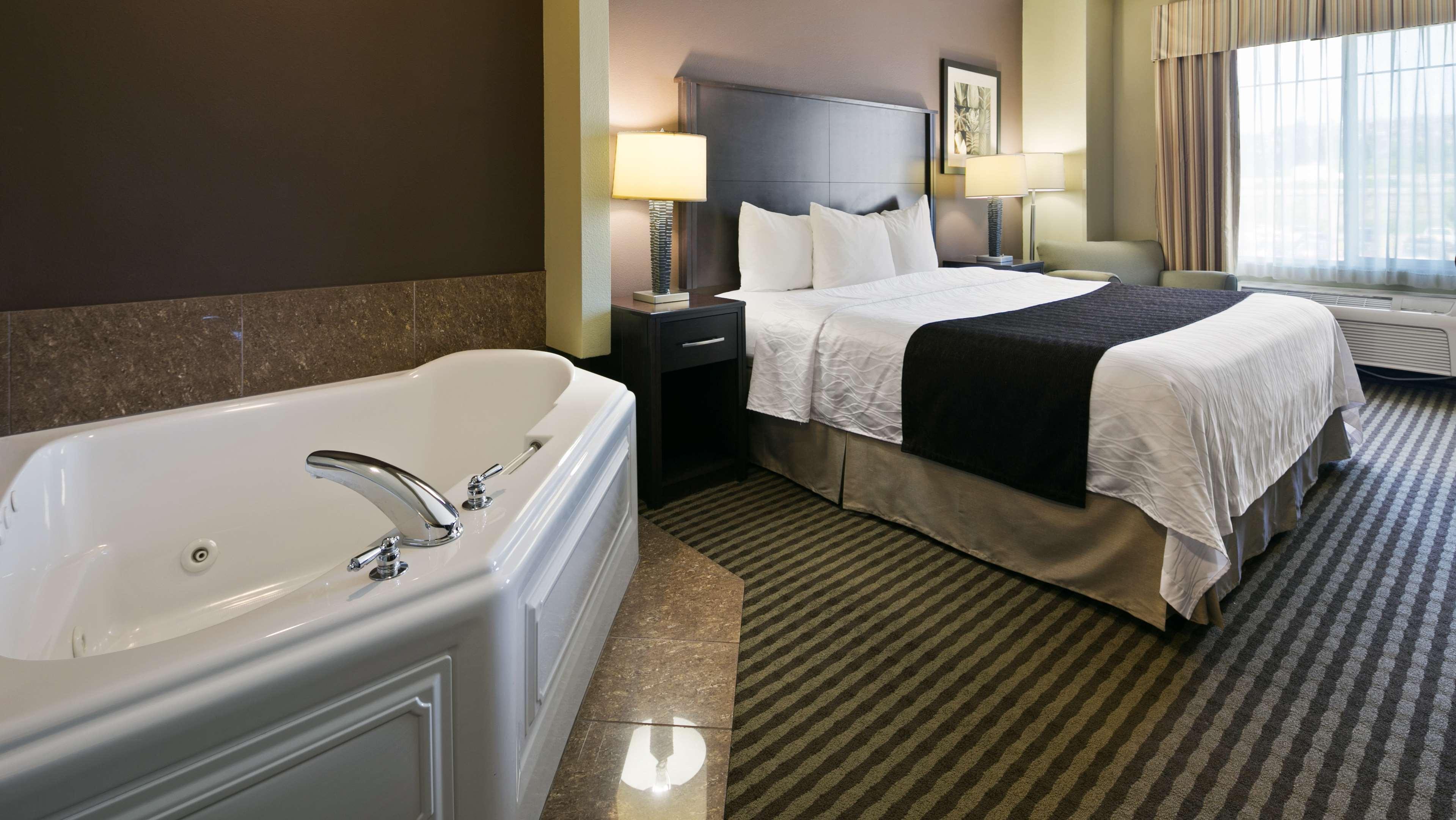 Best Western Plus Parkersville Inn & Suites image 21