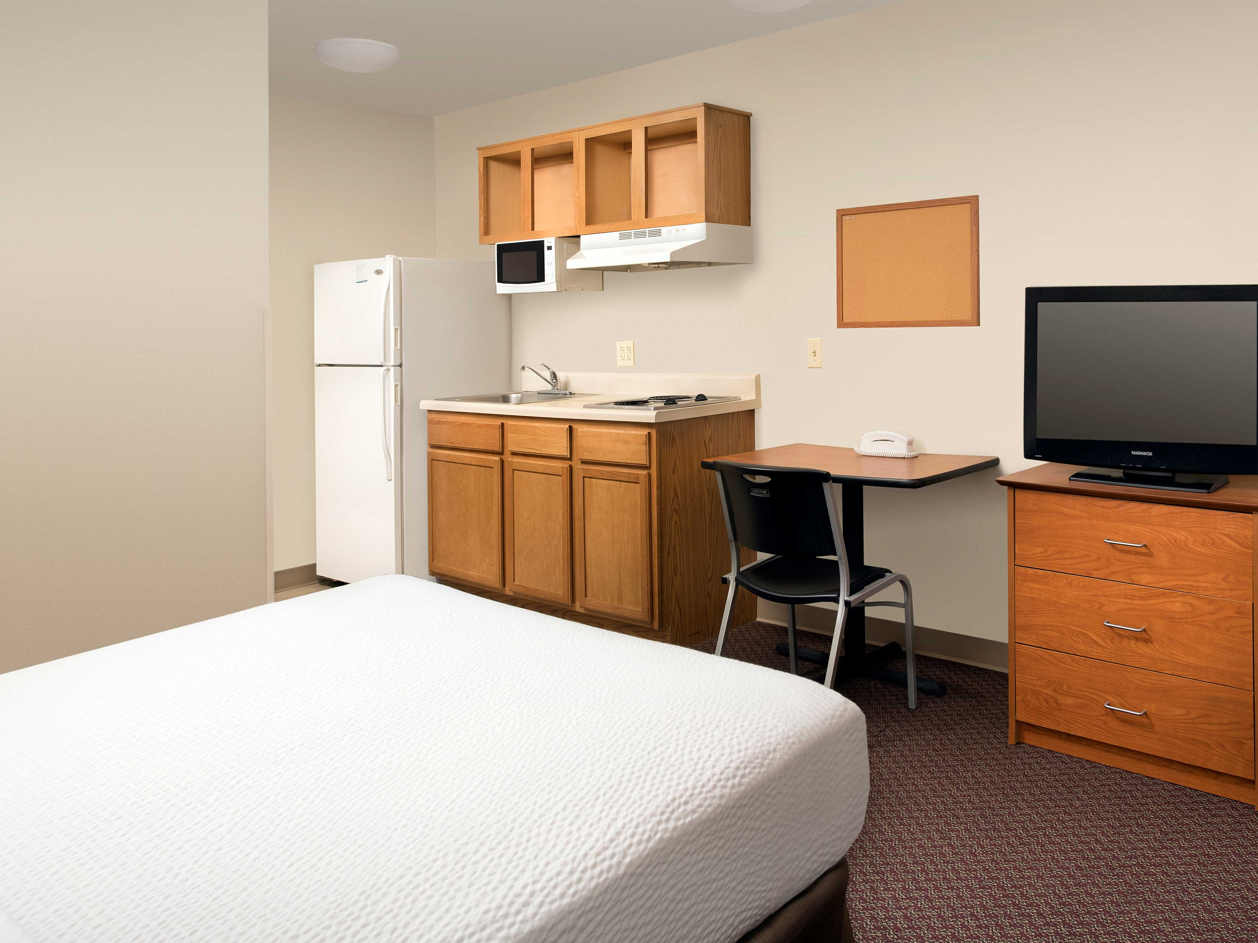 WoodSpring Suites Johnson City image 17