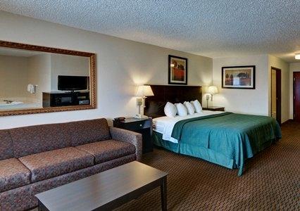 Quality Inn Amp Suites Wichita Falls Tx Hotels And Motels 187 Topix