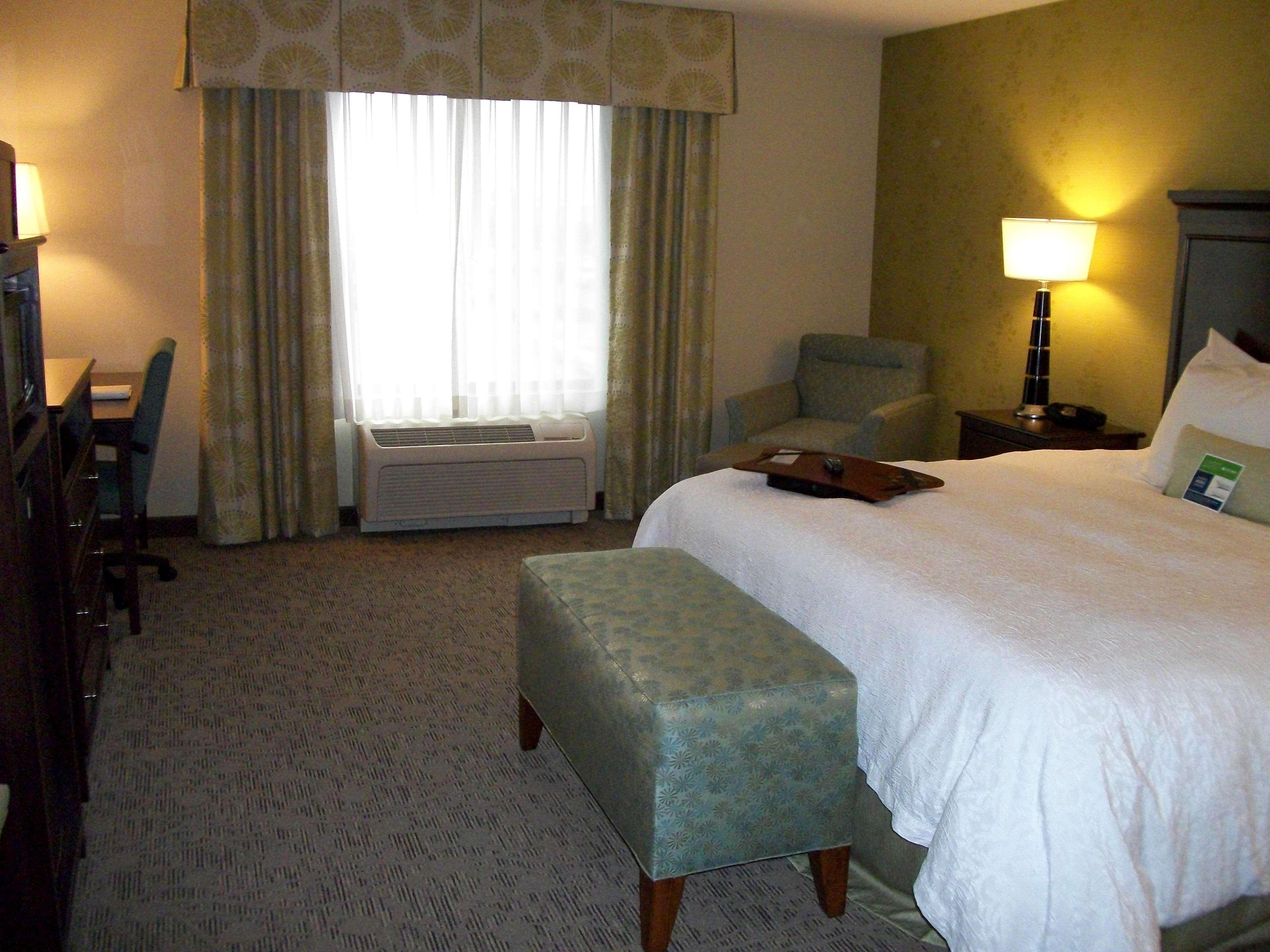 Hampton Inn & Suites Manteca image 46