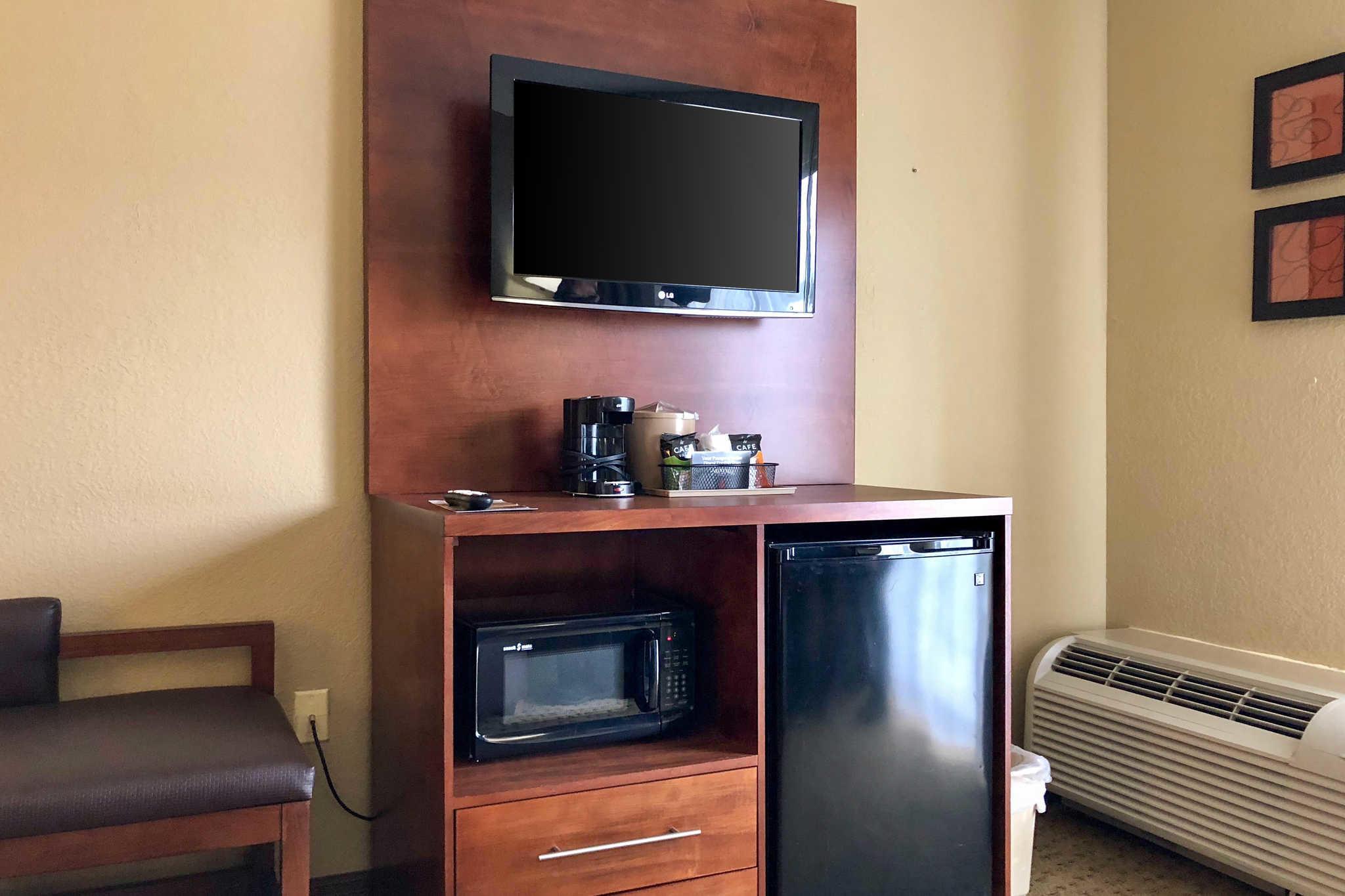 Comfort Suites Mountain Mile Area image 28