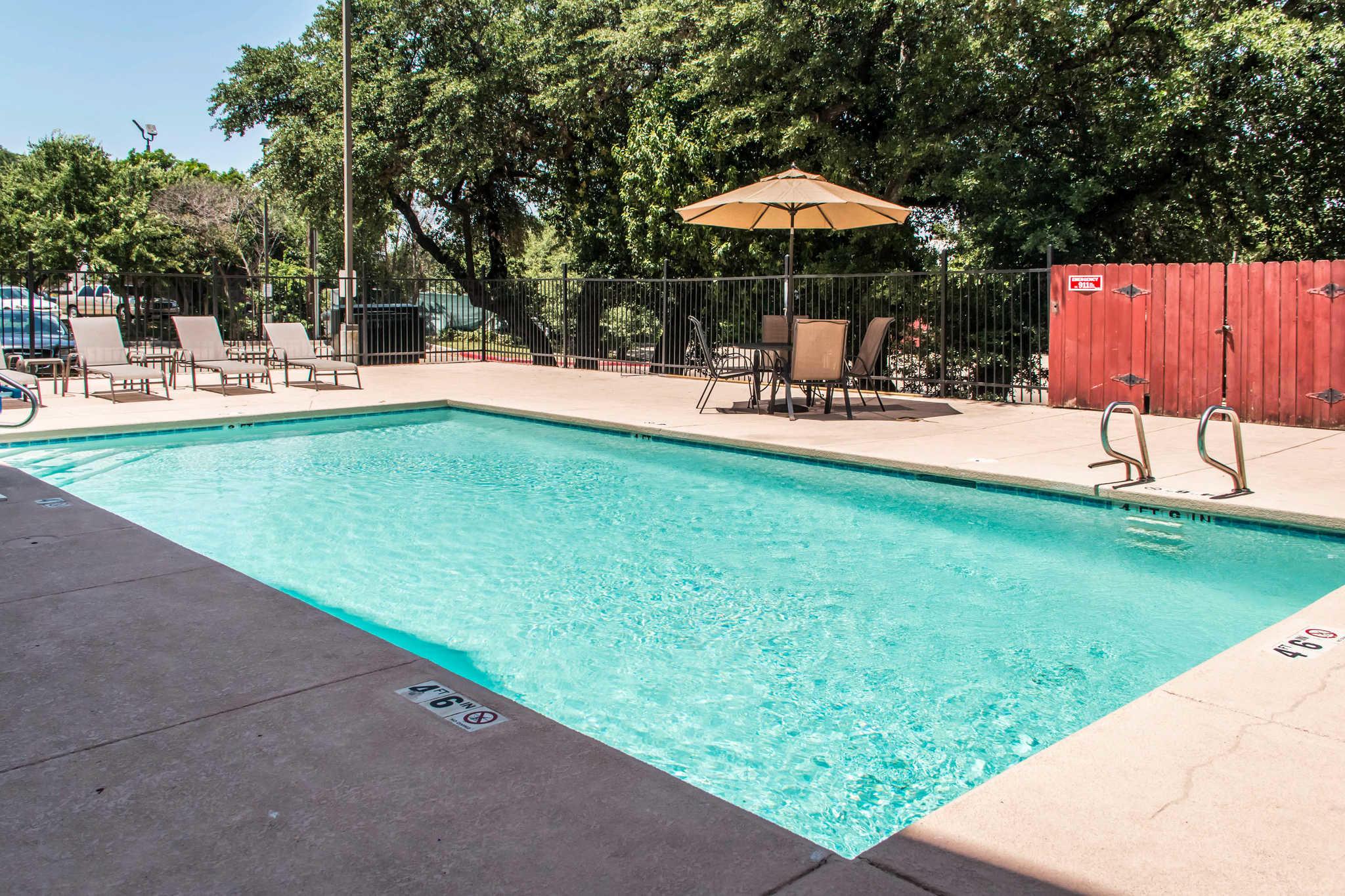 Comfort Suites Round Rock - Austin North I-35 image 5