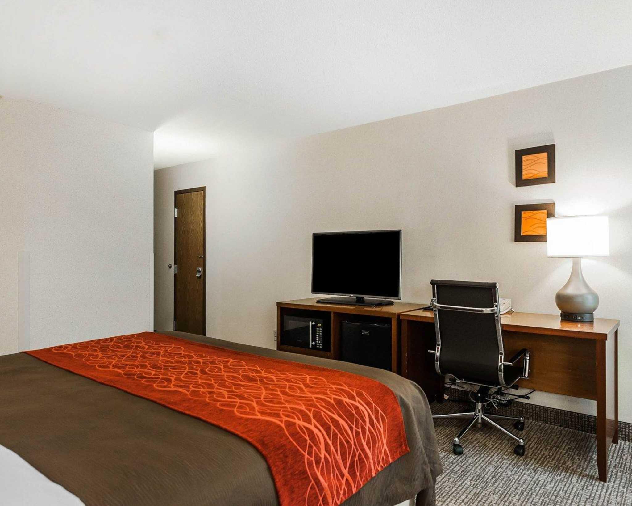 Comfort Inn Denver East image 6