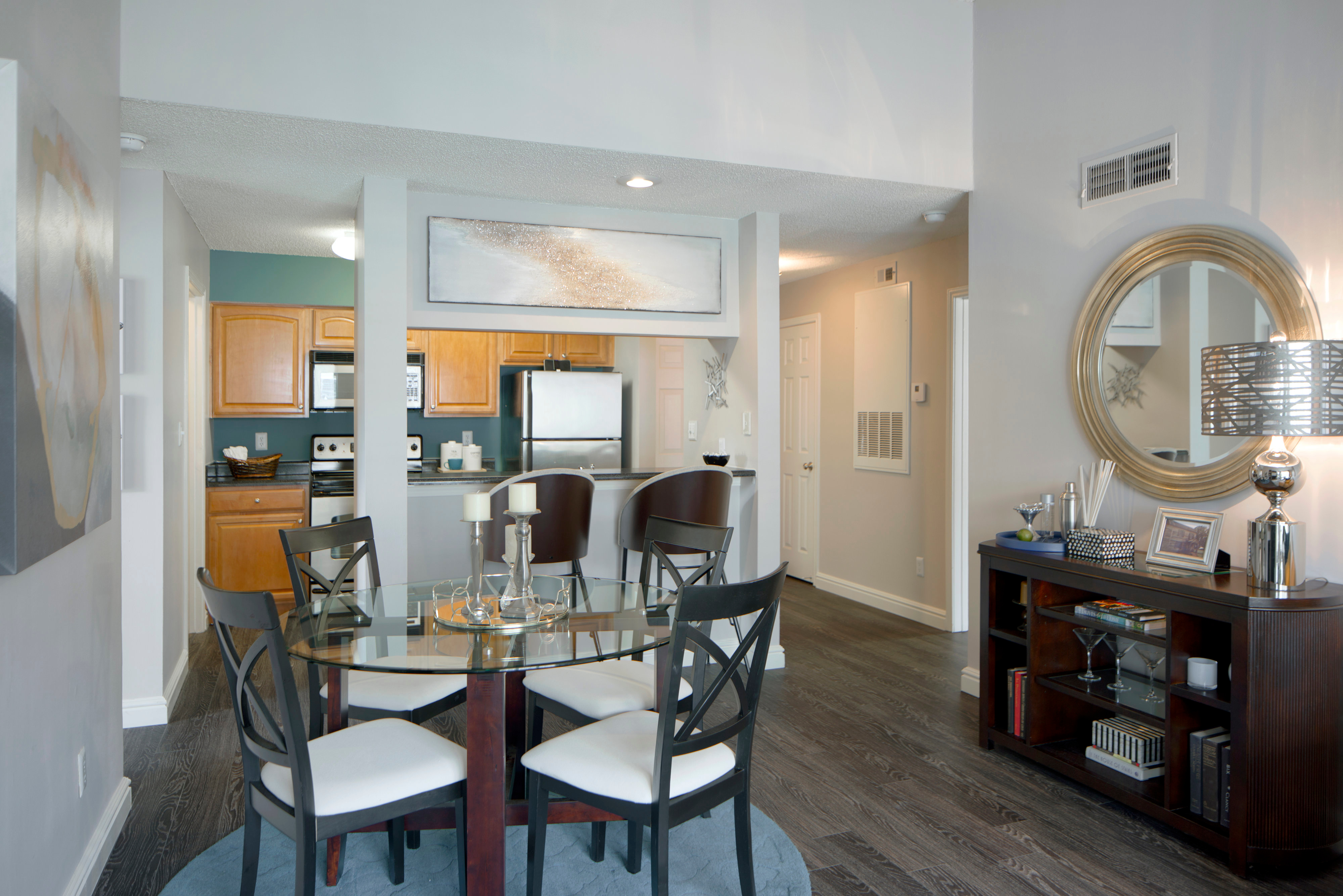 Lakeside Apartments image 31