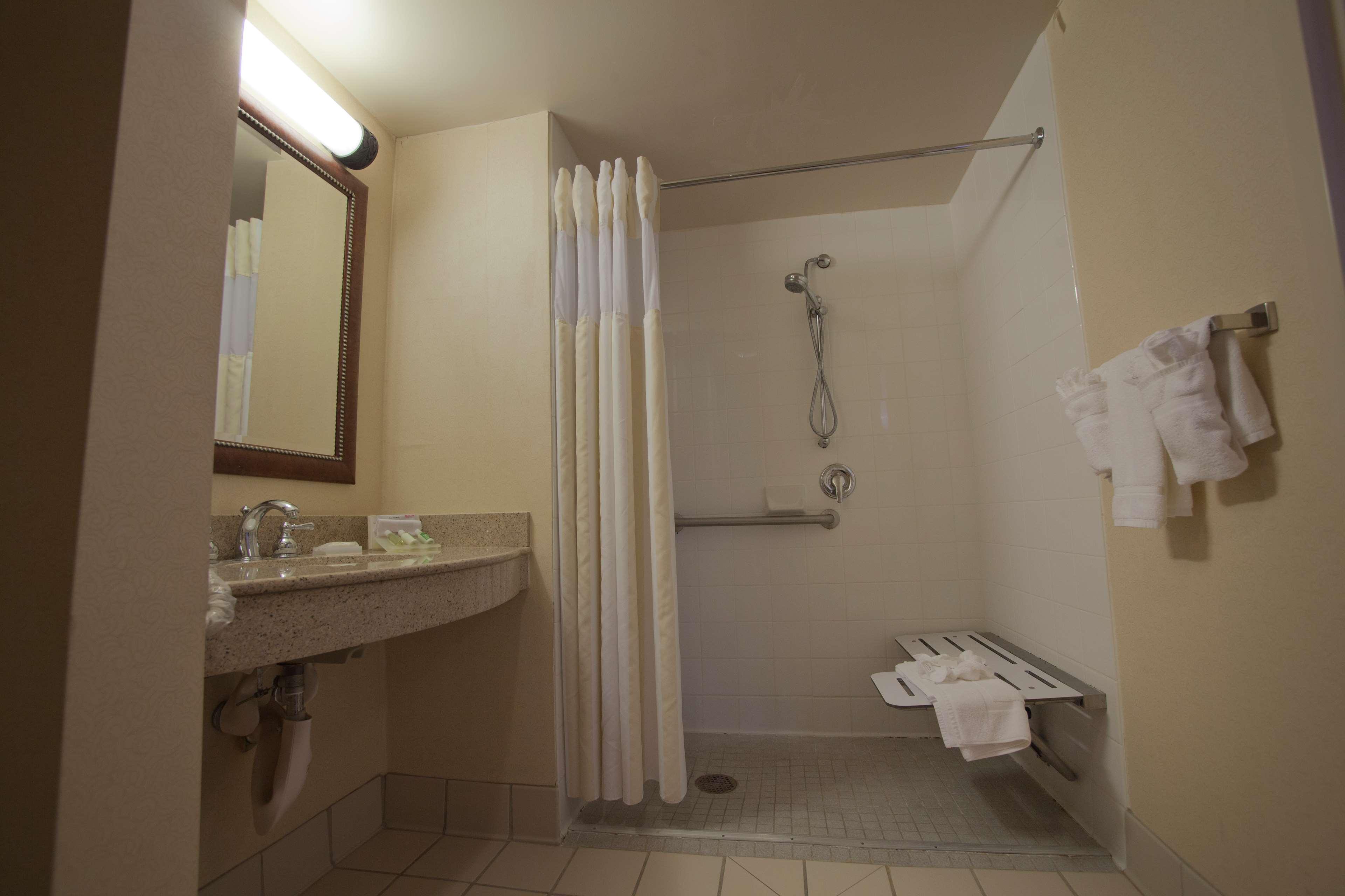 Hilton Garden Inn Albuquerque/Journal Center image 26