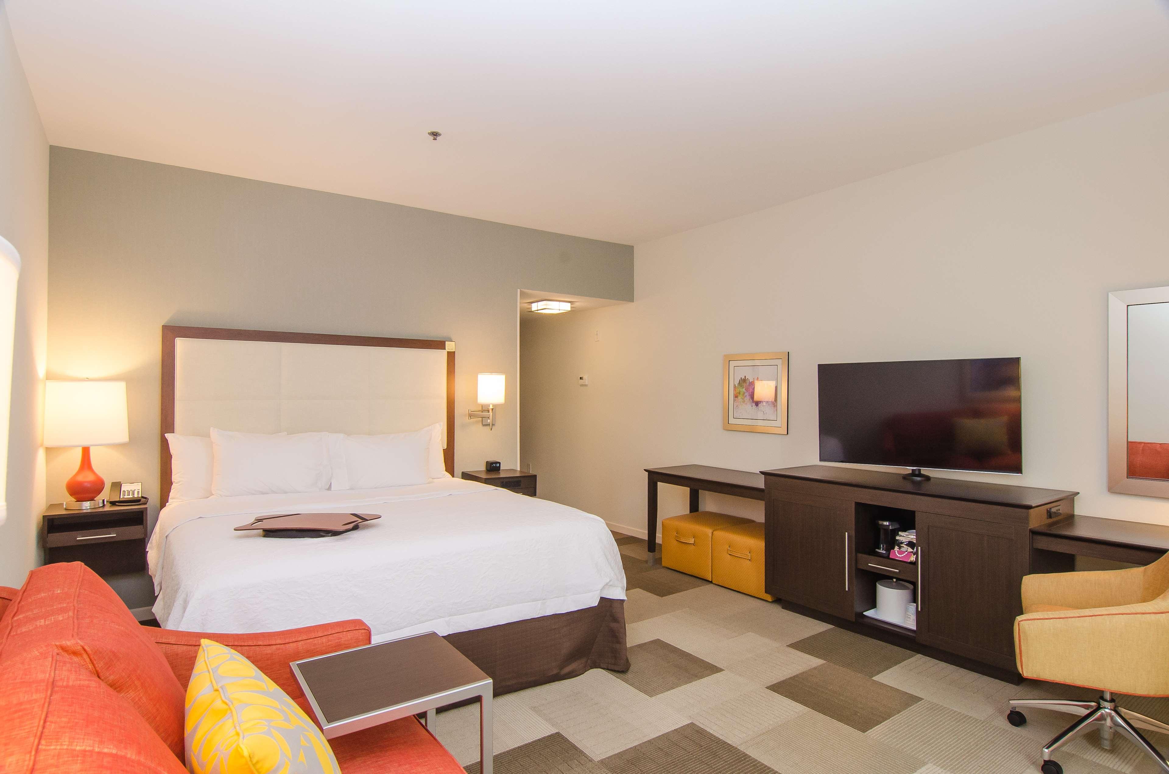 Hampton Inn & Suites Houston North IAH image 20