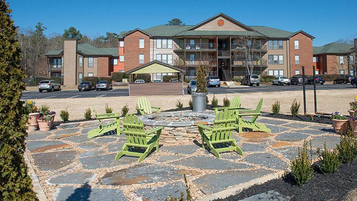 The Hub at Auburn Apartment Homes image 9