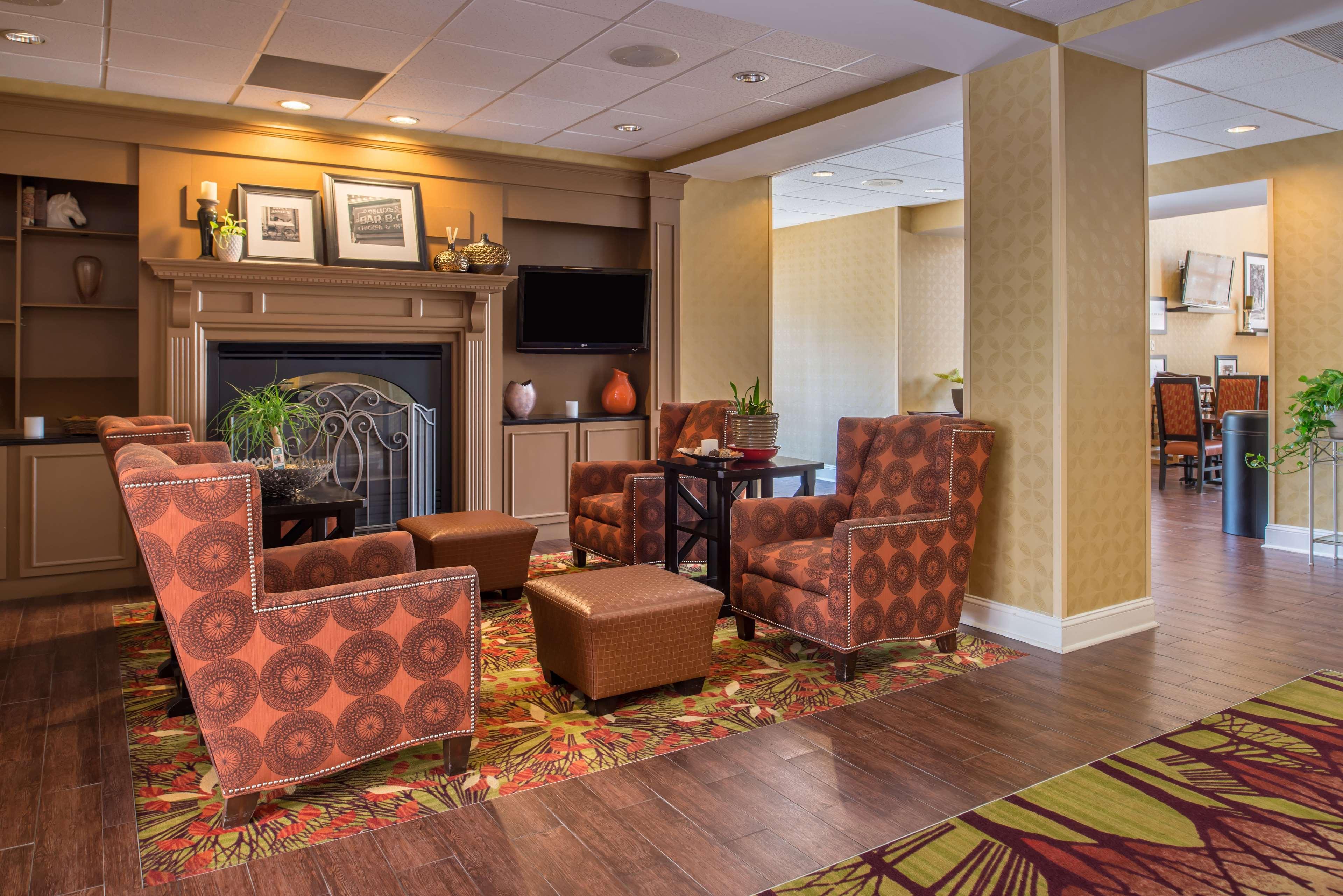 Hampton Inn & Suites Charlotte-Arrowood Rd. image 9