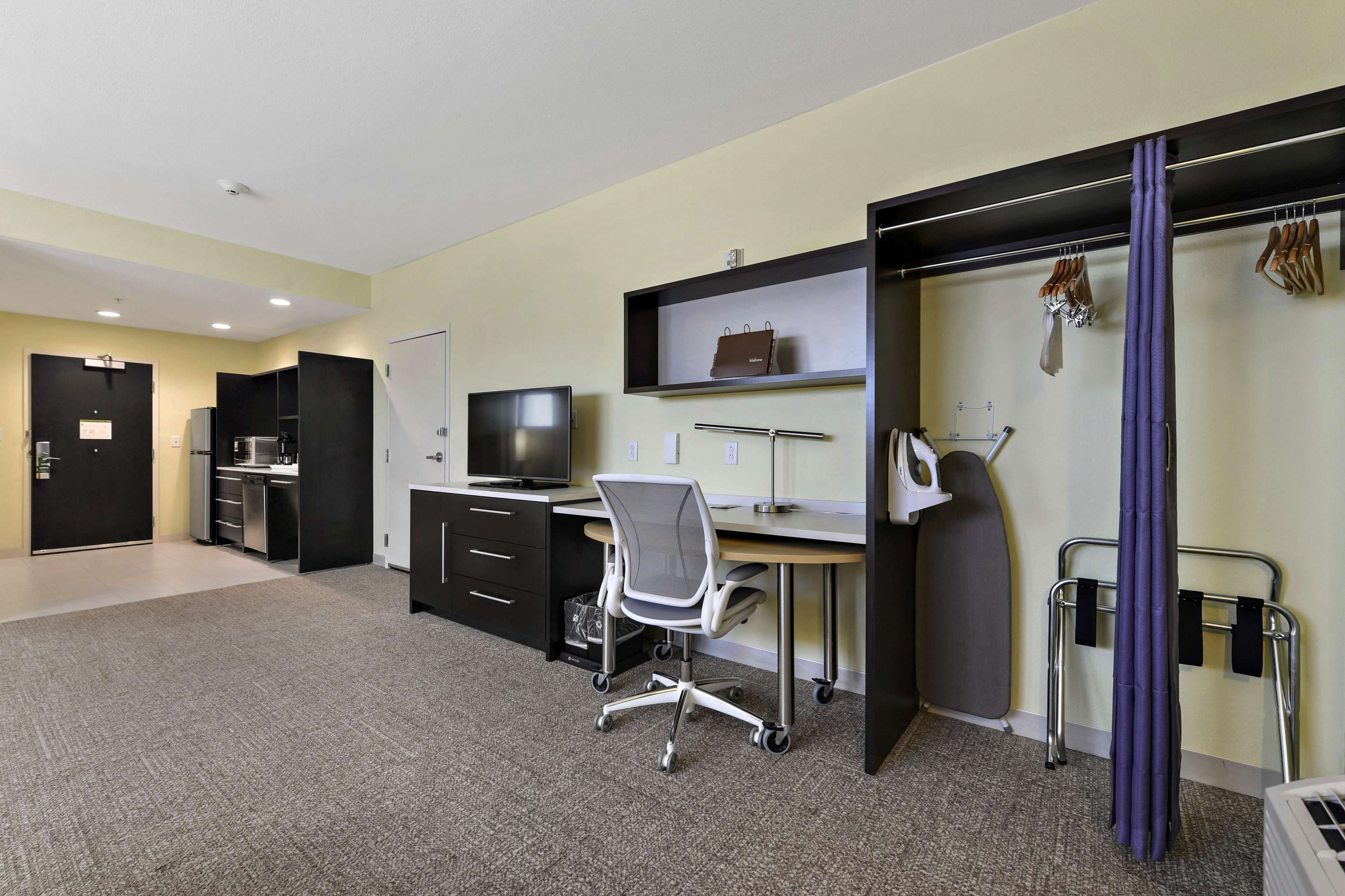Home2 Suites by Hilton Gulfport I-10 image 26
