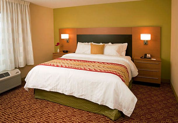 TownePlace Suites by Marriott Fort Wayne North image 6
