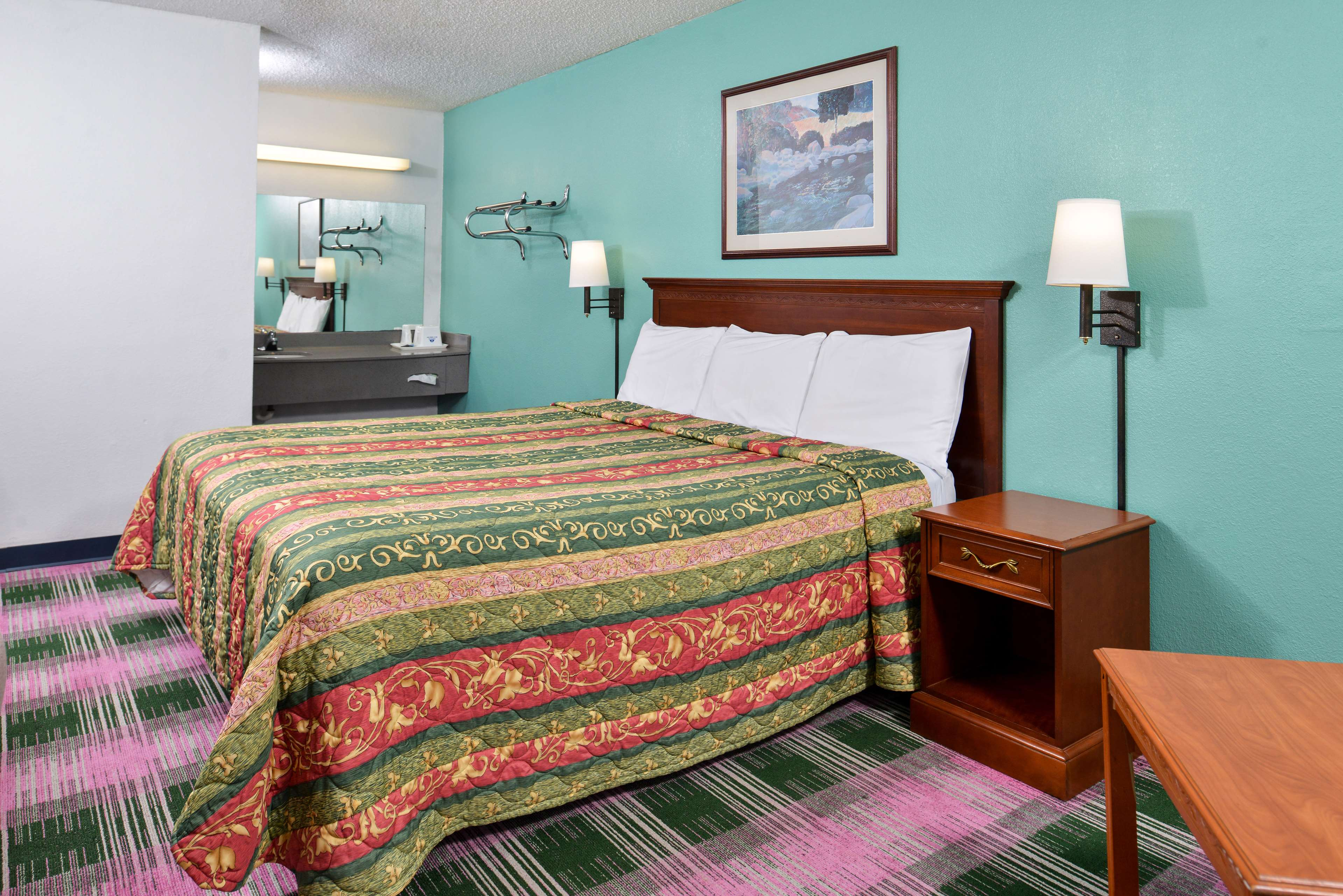 Americas Best Value Inn - Indy South image 8