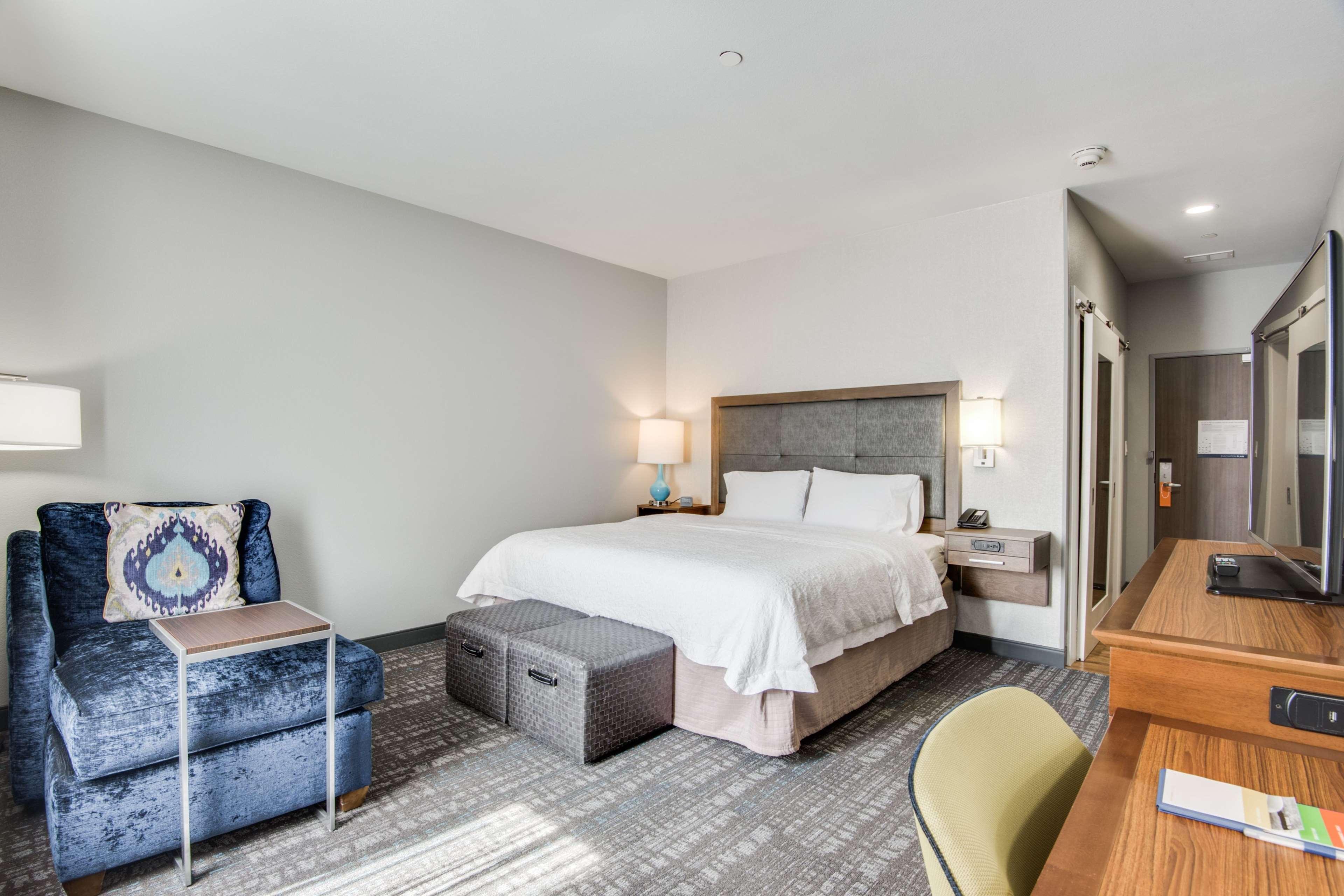 Hampton Inn & Suites Dallas/Ft. Worth Airport South image 15