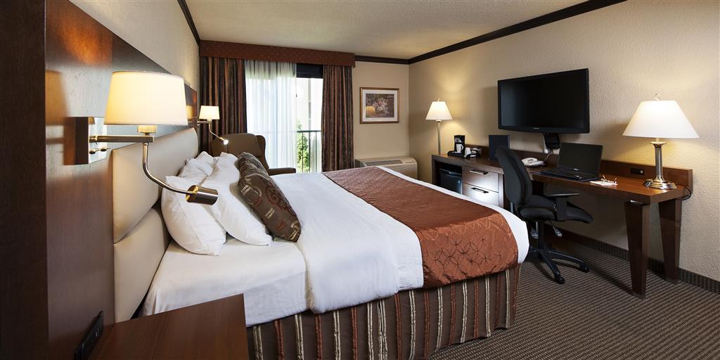Best Western Plus Hotel Universel Drummondville à Drummondville: King Mobility Accessible