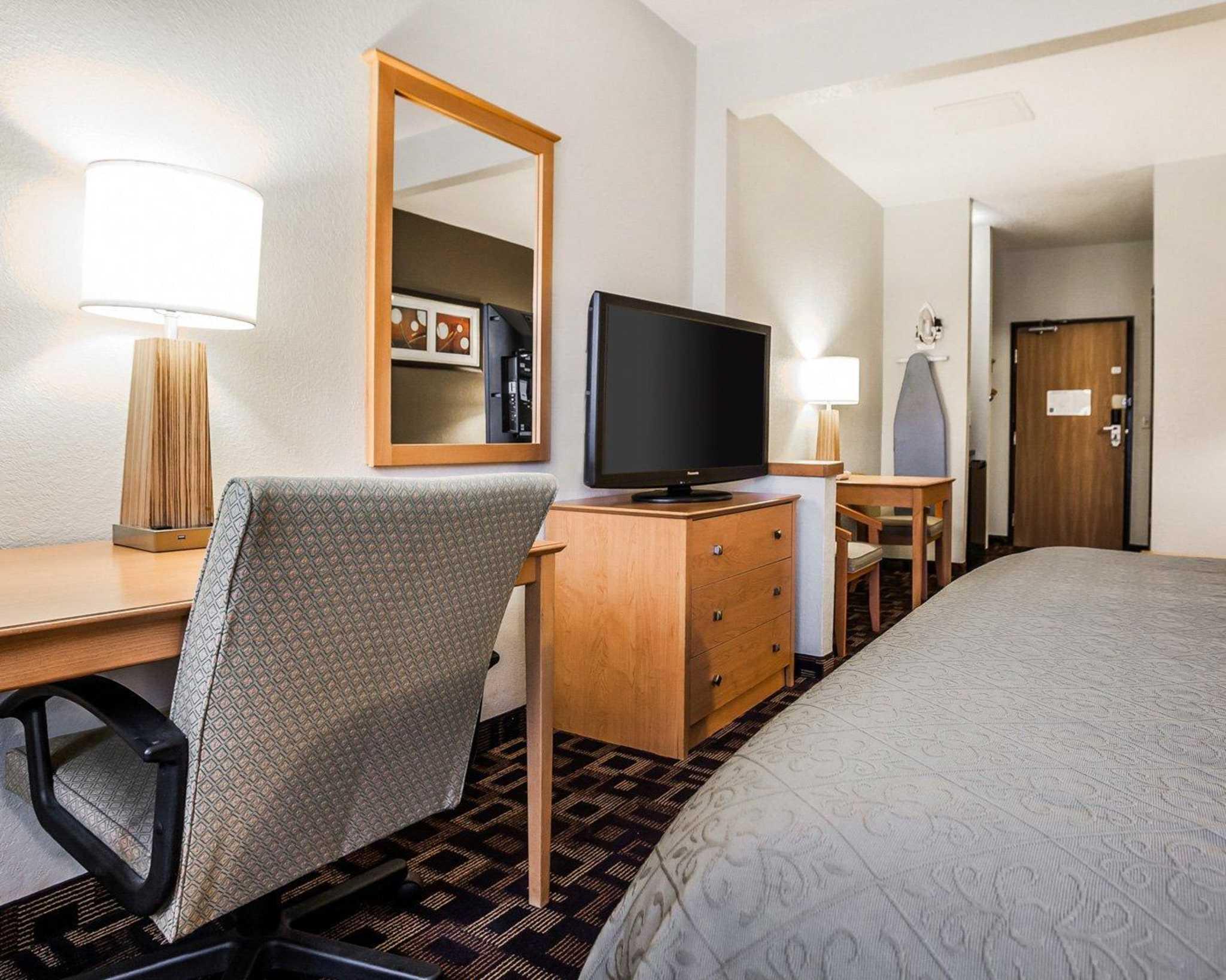 Quality Inn & Suites Des Moines Airport image 23