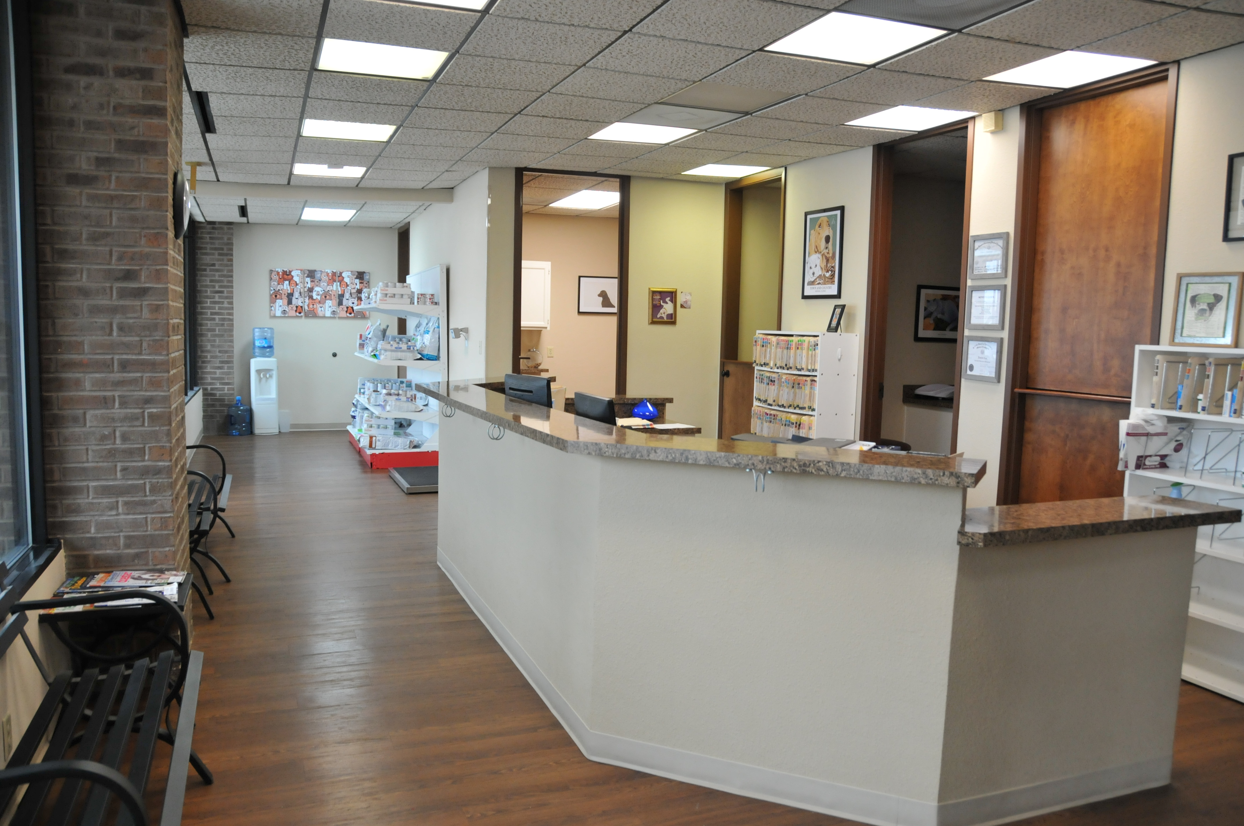 Town and Country Animal Clinic image 2