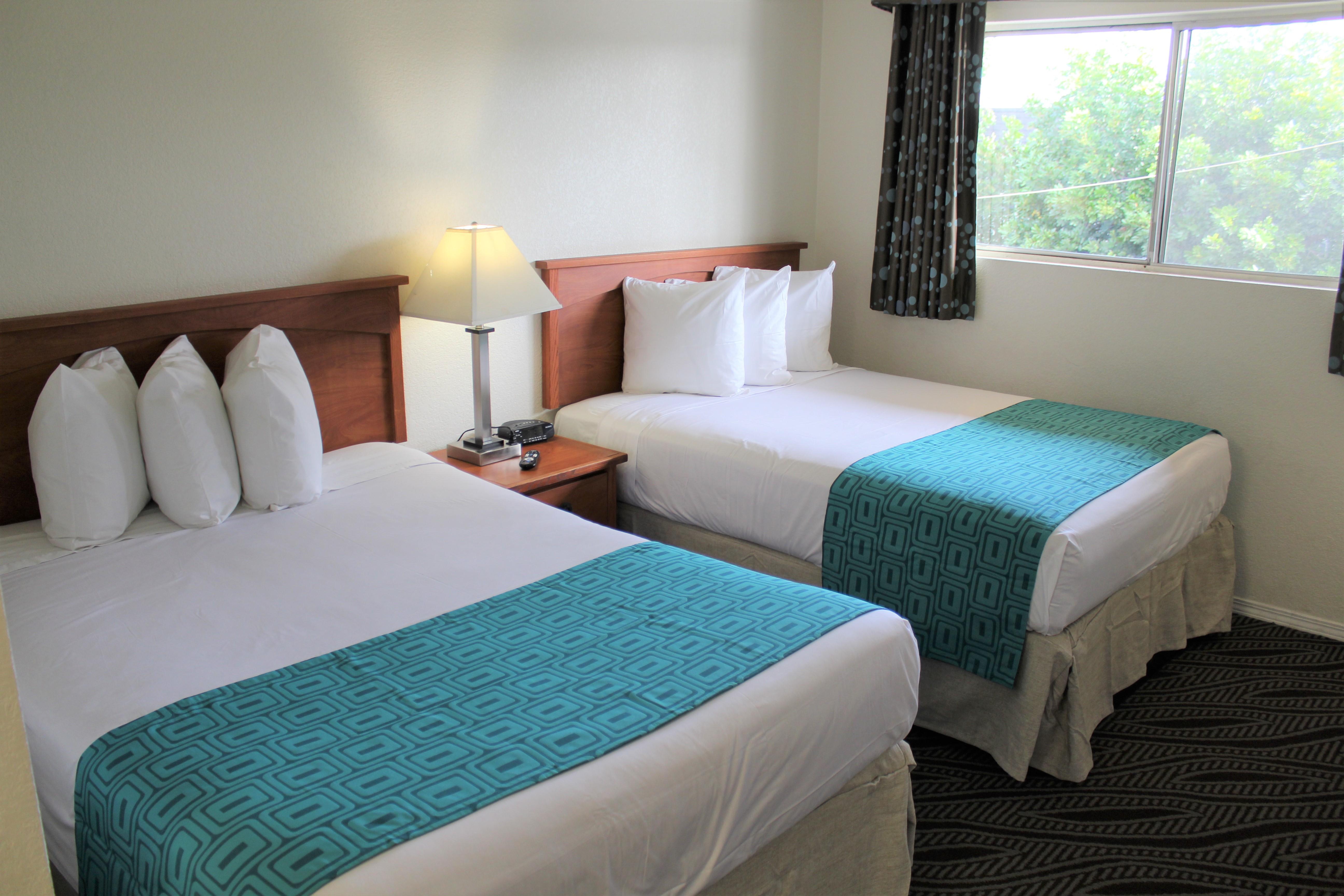 Howard Johnson by Wyndham Chula Vista San Diego Suite Hotel image 4