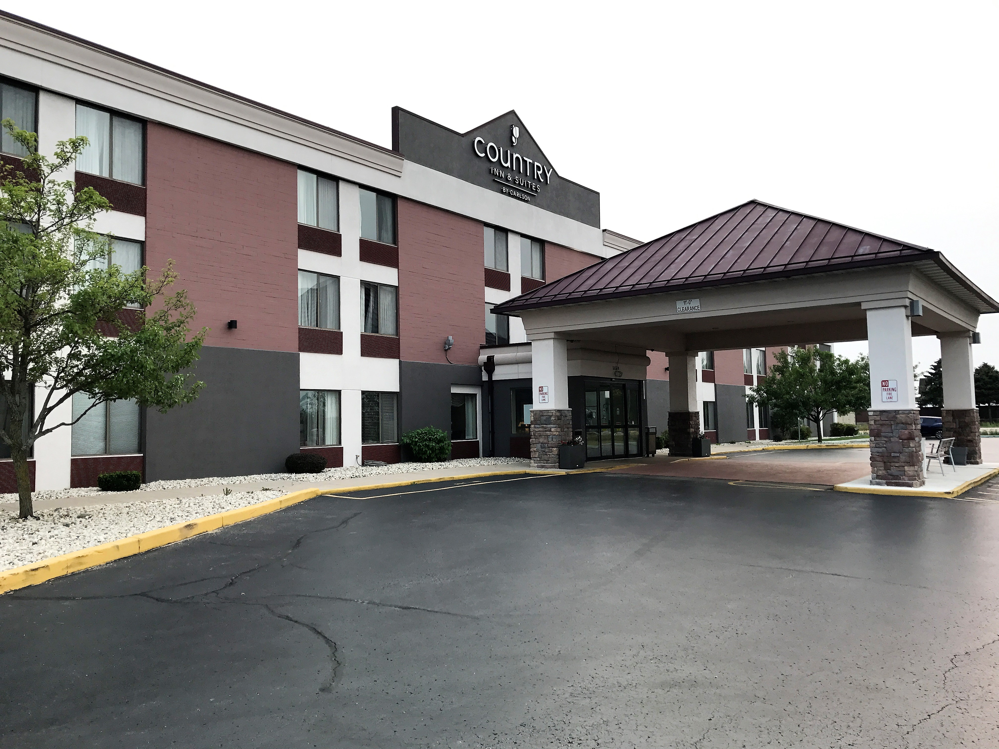 Country Inn & Suites by Radisson, Mt. Pleasant-Racine West, WI image 0
