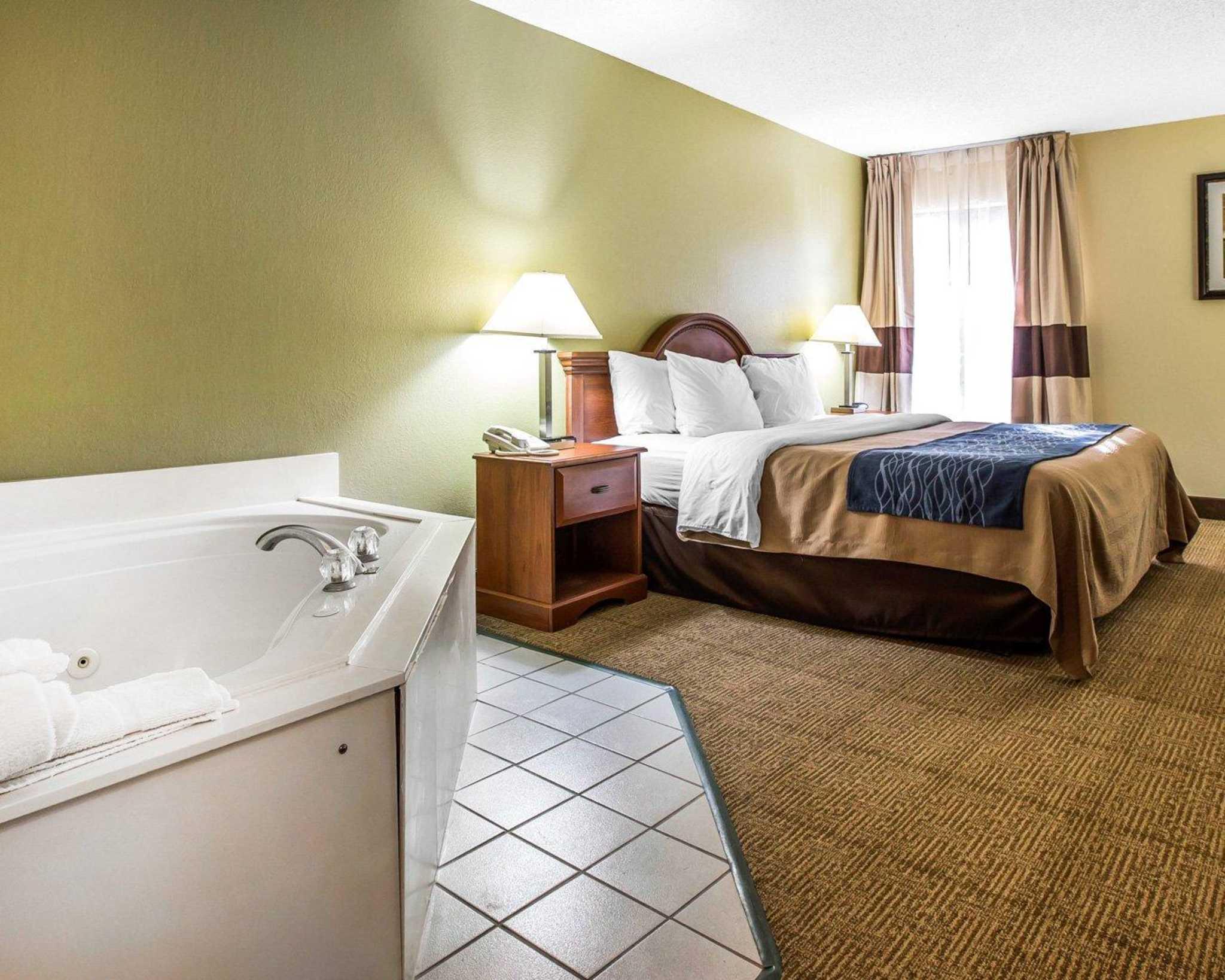 Quality Inn Darien-North Brunswick image 24