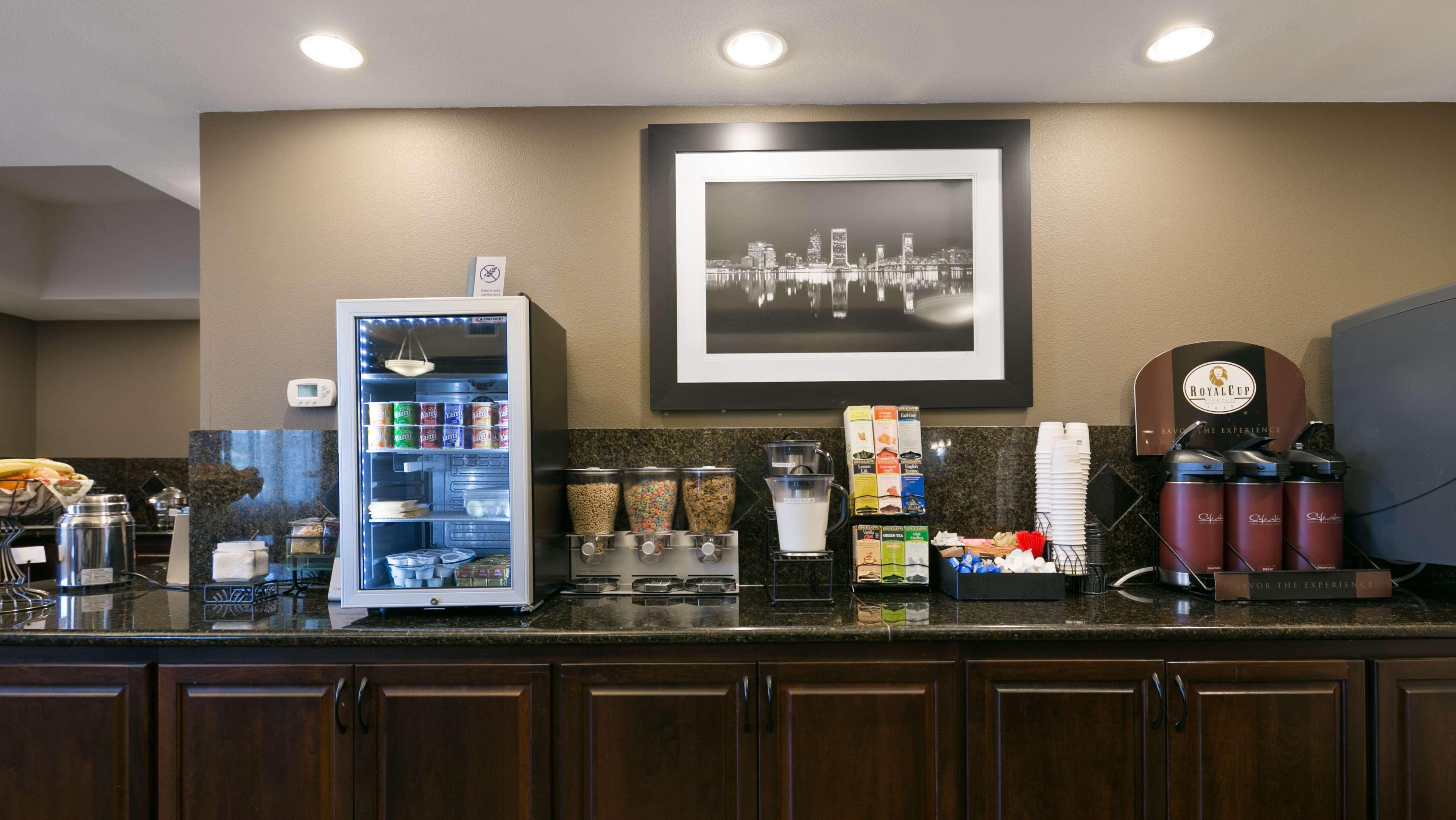 Best Western Plus Parkersville Inn & Suites image 10