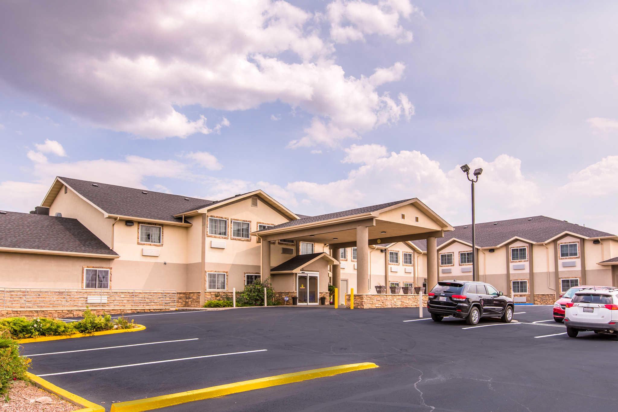Quality Inn & Suites University image 3