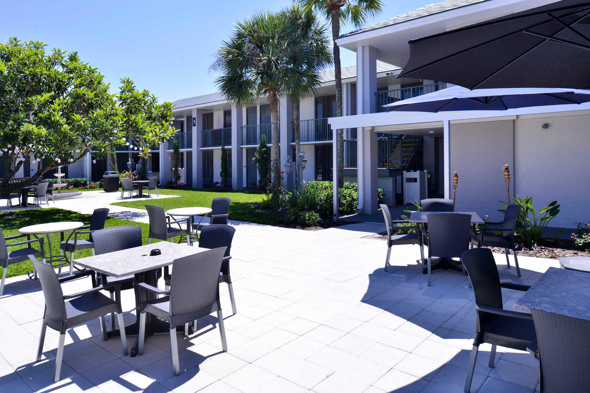 Clarion Inn & Suites Orlando near Theme Parks image 25