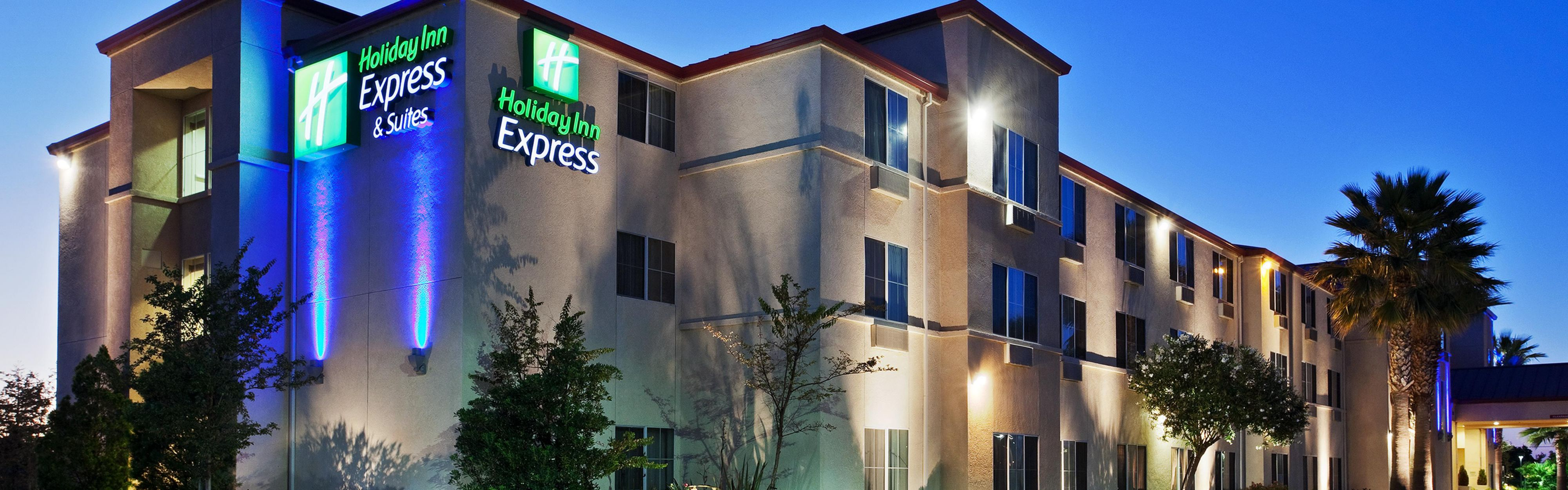 Holiday Inn Express & Suites Tracy image 0
