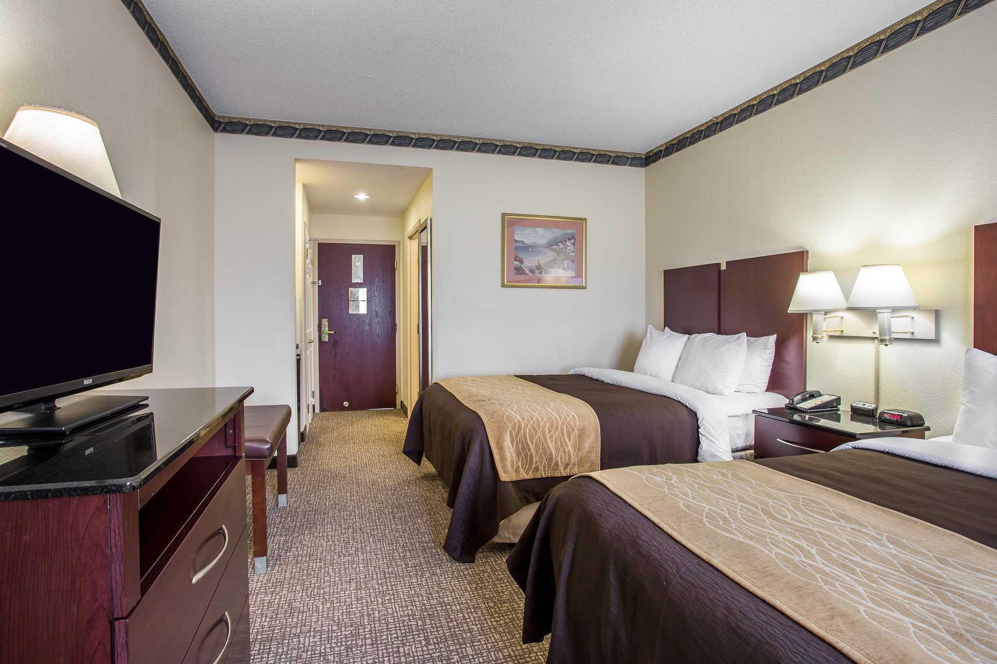 Comfort Inn & Suites Ft.Jackson Maingate image 11