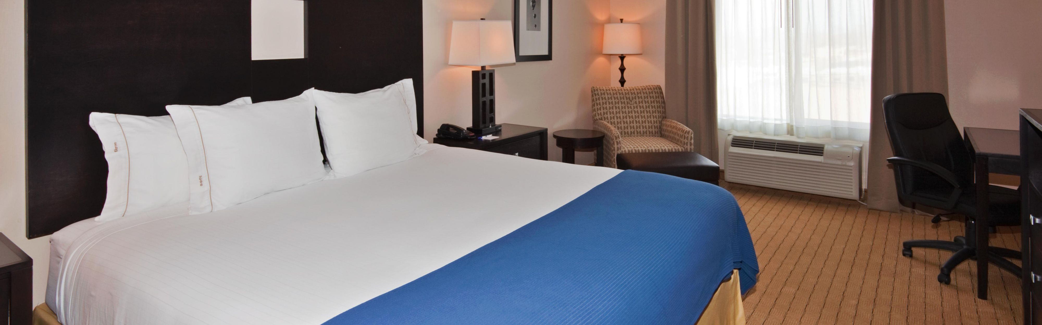Holiday Inn Express & Suites Albuquerque Airport image 1