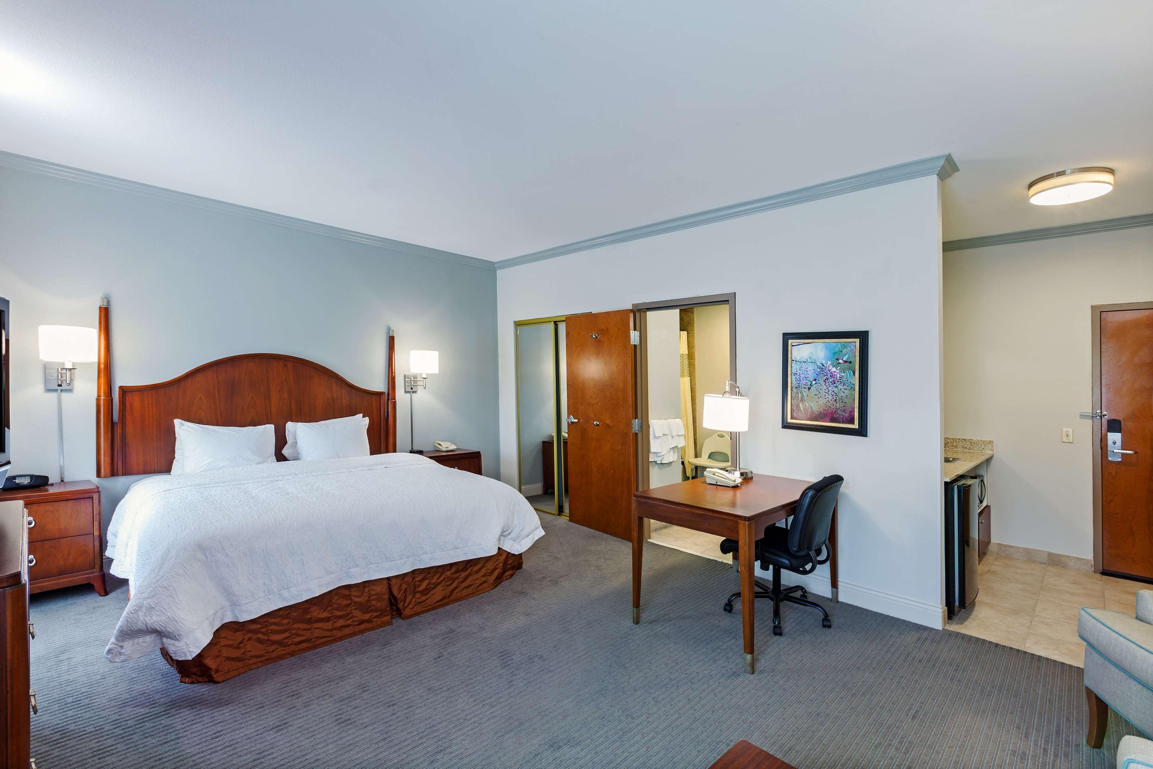 Hampton Inn & Suites Houston-Westchase image 26