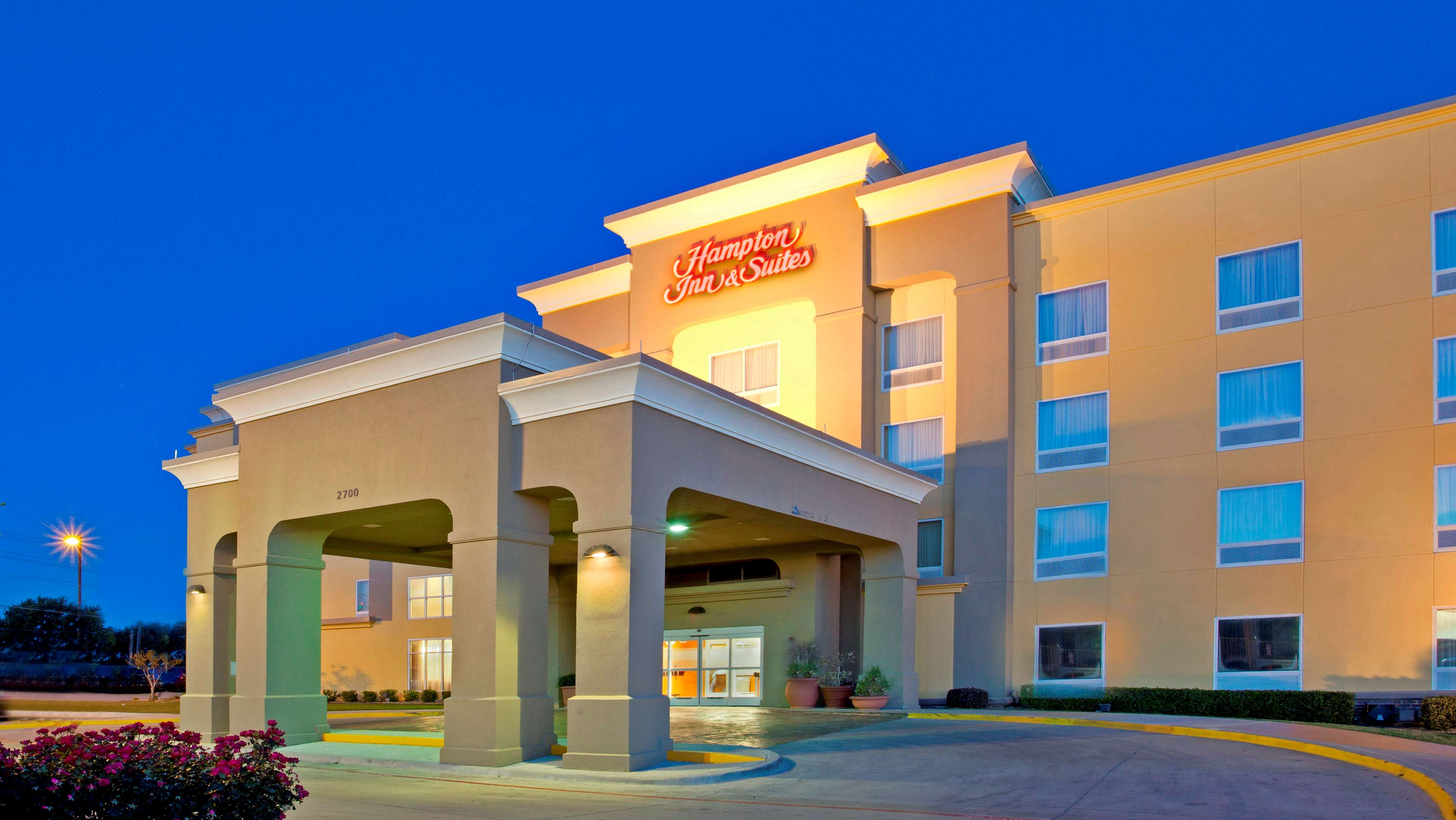 Hampton Inn & Suites Fort Worth-West-I-30 image 0