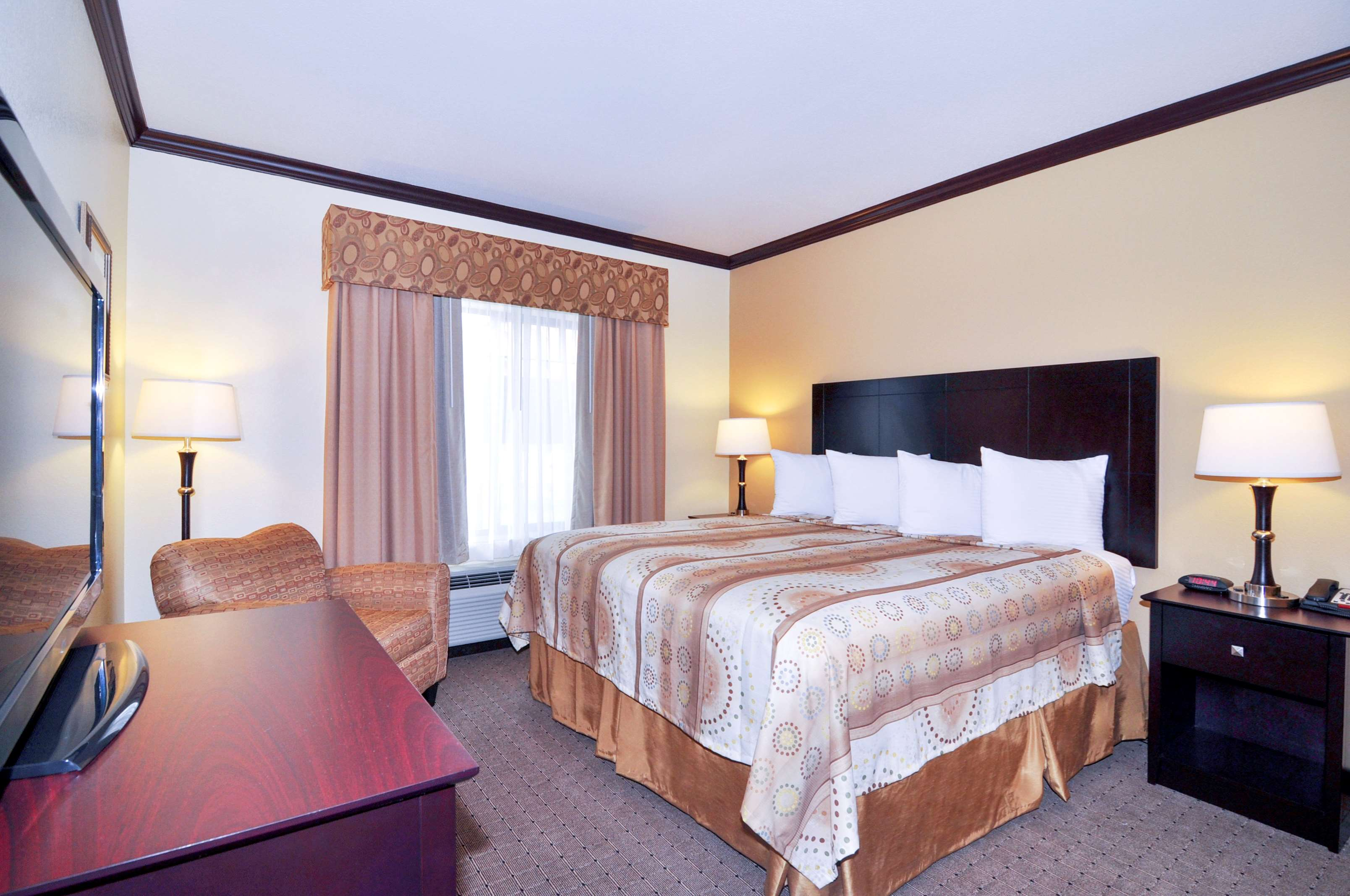 Best Western Plus Royal Mountain Inn & Suites image 9