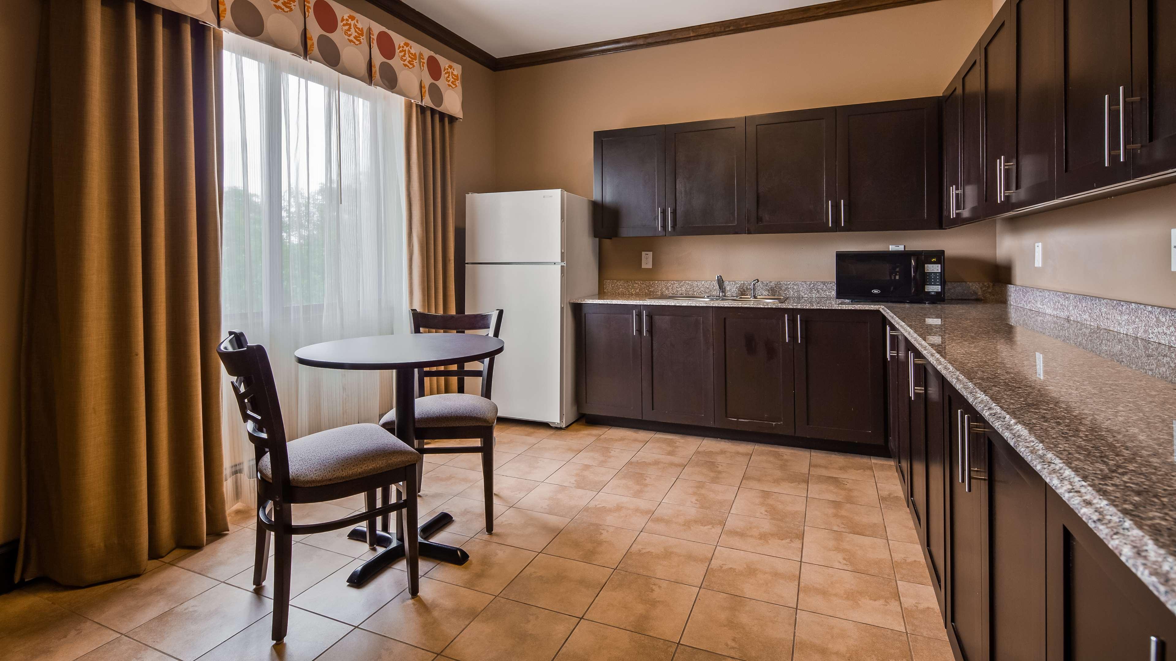 Best Western Plus Texoma Hotel & Suites image 28