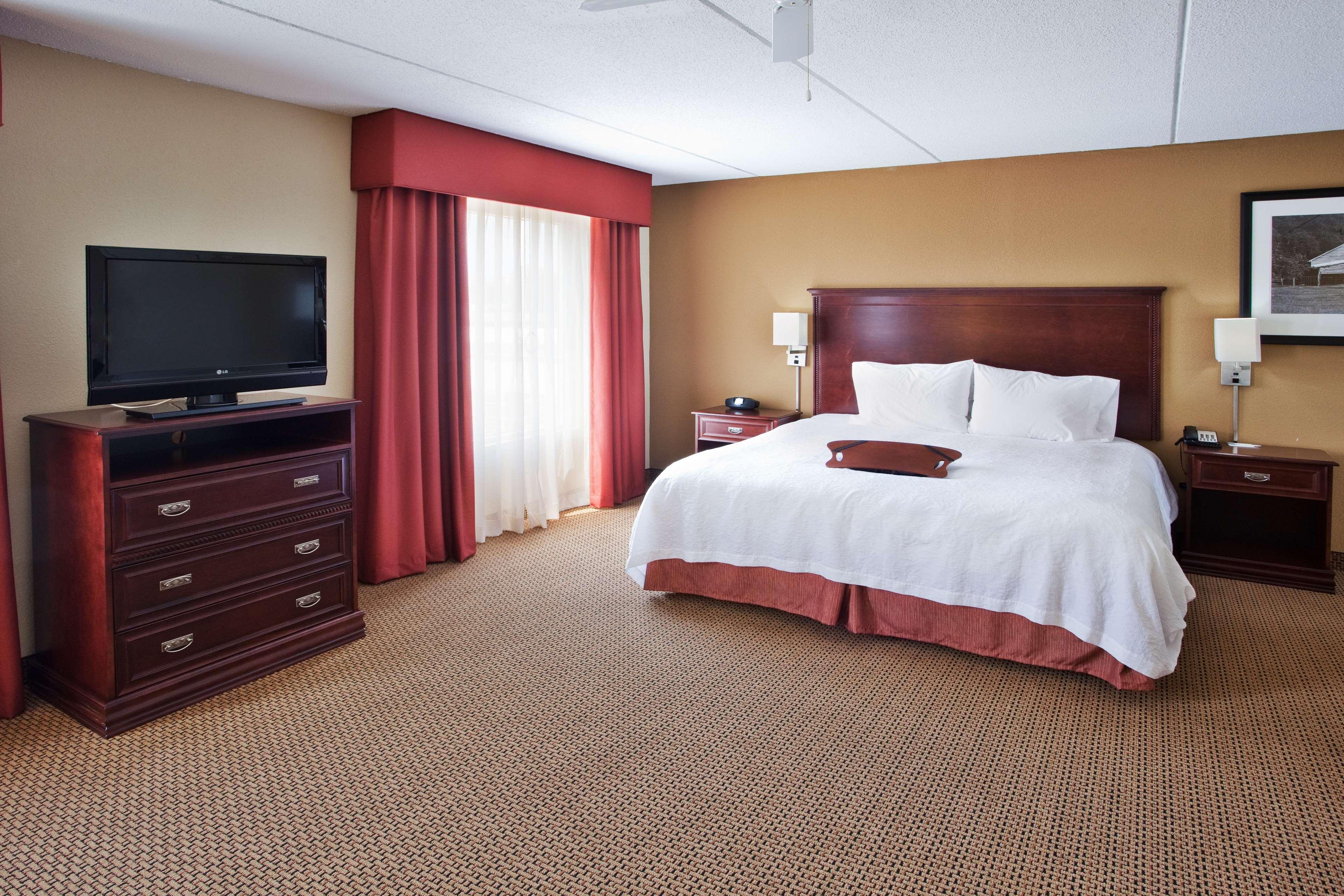 Hampton Inn & Suites Lanett-West Point image 39