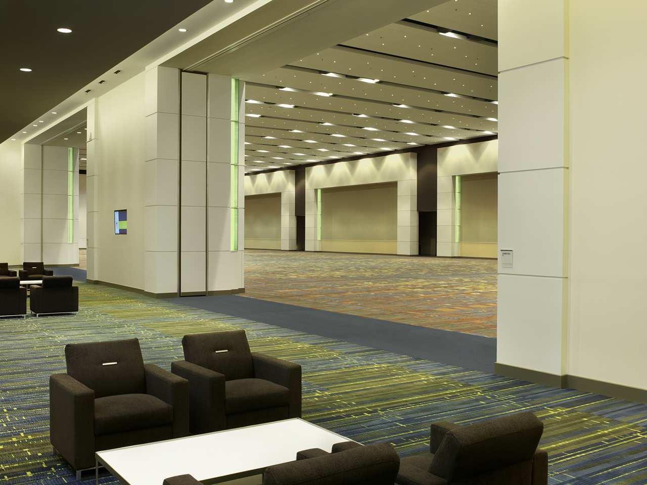 DoubleTree by Hilton Hotel Cedar Rapids Convention Complex image 23