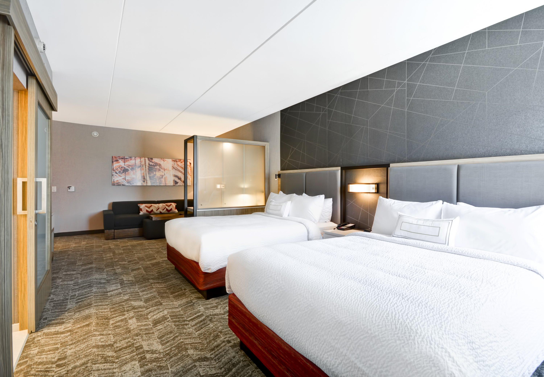 SpringHill Suites by Marriott Cincinnati Blue Ash image 6