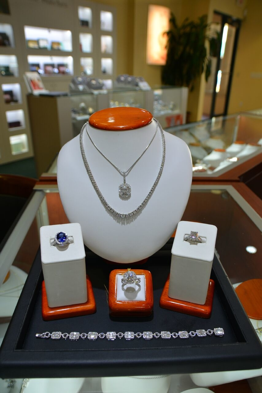 Designer's Touch Jewelry image 0