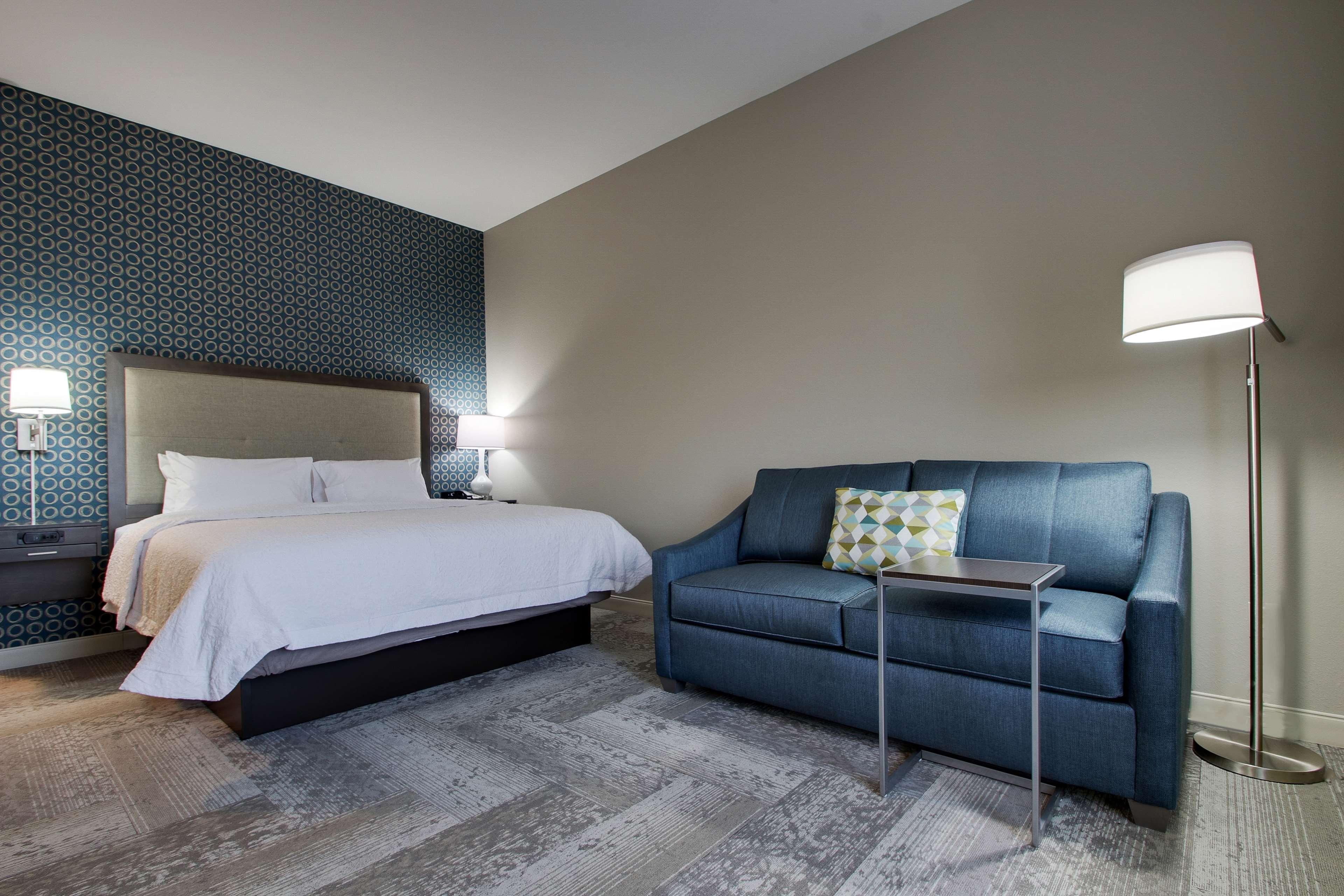 Hampton Inn & Suites Knightdale Raleigh image 26
